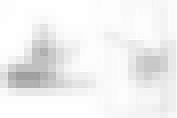 1. Sengelinned med træprint, Black Tree, 249 kr. (Ilva)  2. Sengelinned med træprint, 499 kr. (Södahl)