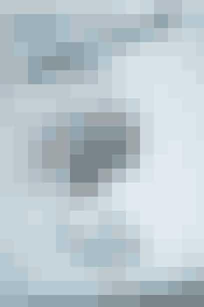 All on a String ophæng fra by Wirth er en dekorativ måde at hænge billeder og noter oppå dit hjemmekontor. Ordningen består af en metalring, som har et langt læderbånd med otte trækugler, 199 kr. Køb den her!