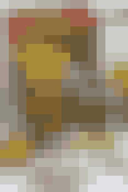 Skydebanegade 4 Købehavn V  Butikken i den lille sidegade til Istedgade gør sig i fede og anderledes ting til din bolig, ofte hentet hinsidans, i Sverige.   Den lille hyggelige butik holder af og til hyggelige aftenarrangementer, hvor man udover at gå på jagt i butikkens egne skatte, får en enestående chance for at se andre sælgeres fine udvalg, f.eks. Vintage-dronningen Pia Storms smukke kjoler, som nok skal få pungen op af lommen. Hold øje med butikkens Facebook.