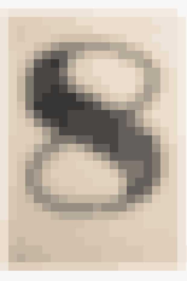 Beige nummer 8 er et unikatryk håndsat med blytal og trætal, indsamlet fra hele verden. Farven er håndvalset på den typografiske opsætning og derefter håndtrykt på en Eickhoff-smedejerns korrekturpresse fra 1890, 250 kr. Kan købes her!