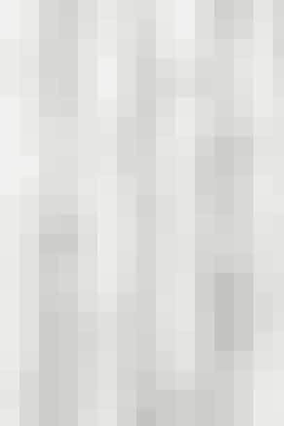 Badeforhæng I marmor-look fra Ferm Living, 499,95 kr. Køb et badeforhæng her!(Reklamelink)