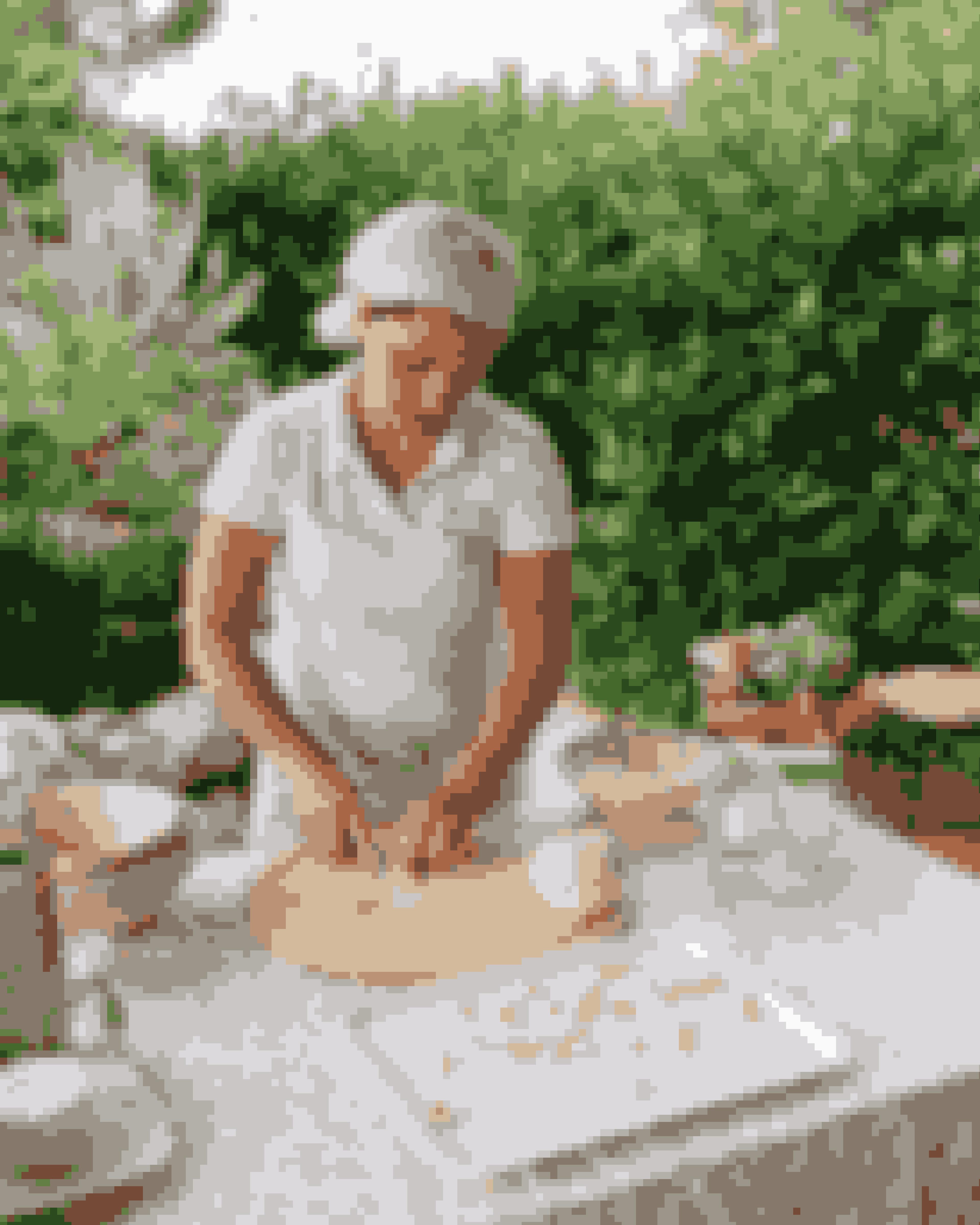 Orecchiette er en typisk spise i Puglia. Pastaen ligner små ører og har sit navn fra det italienske ord for 'ører', 'orecchie' og endelsen 'ette', der betyder 'lille'.