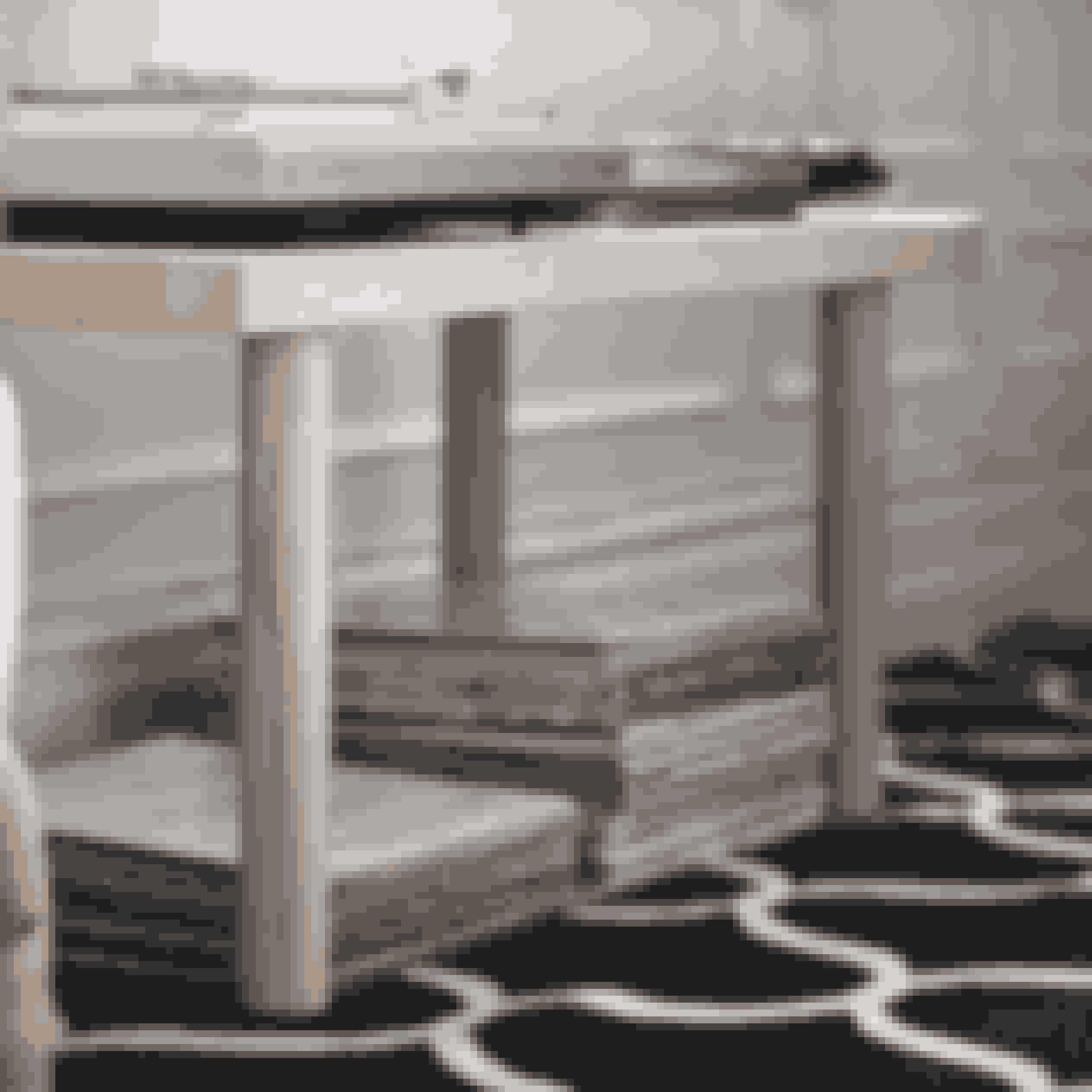 Bordet passer perfekt ind i det skandinaviske hjem, da det med sin form og farve afspejler norden. Stil det på et gulvtæppe for at skabe en minimalistisk stil.Pris 599 kr.