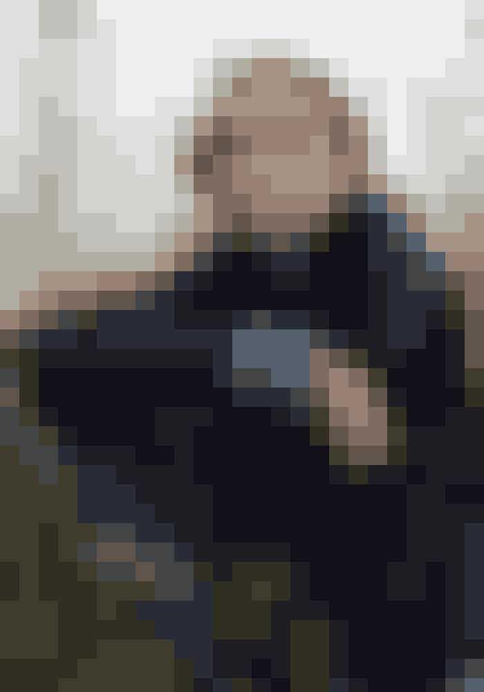 Rulamsjakke Utzon, 12.990 kr.Strik Karen by Simonsen, 1.199 kr.Strikbukser Geysir, 968 kr.Halstørklæde Julie Fagerholt Heartmade, 999 kr.