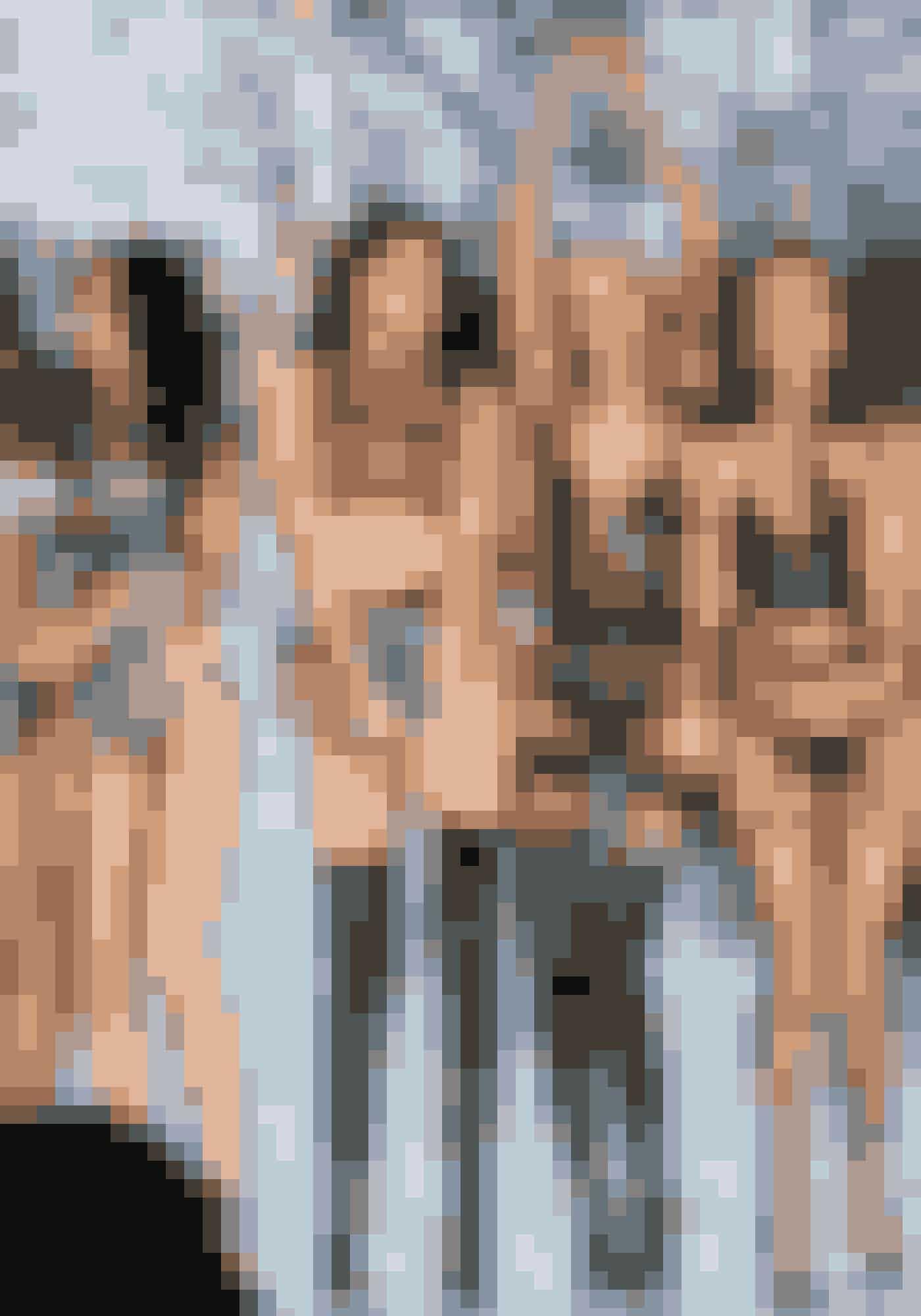 1977Manglen på lækkert og sexet undertøj til sin kone får amerikaneren Roy Raymond til at grundlægge Victoria's Secret – opkaldt efter dronning Victoria for at bringe associationer til, hvad der var under kjolerne i den victorianske tid. I dag er lingeribrandet et imperium med nogle af verdens bedst betalte modeller – de såkaldte 'Angels' – bl.a. danske Josephine Skriver.