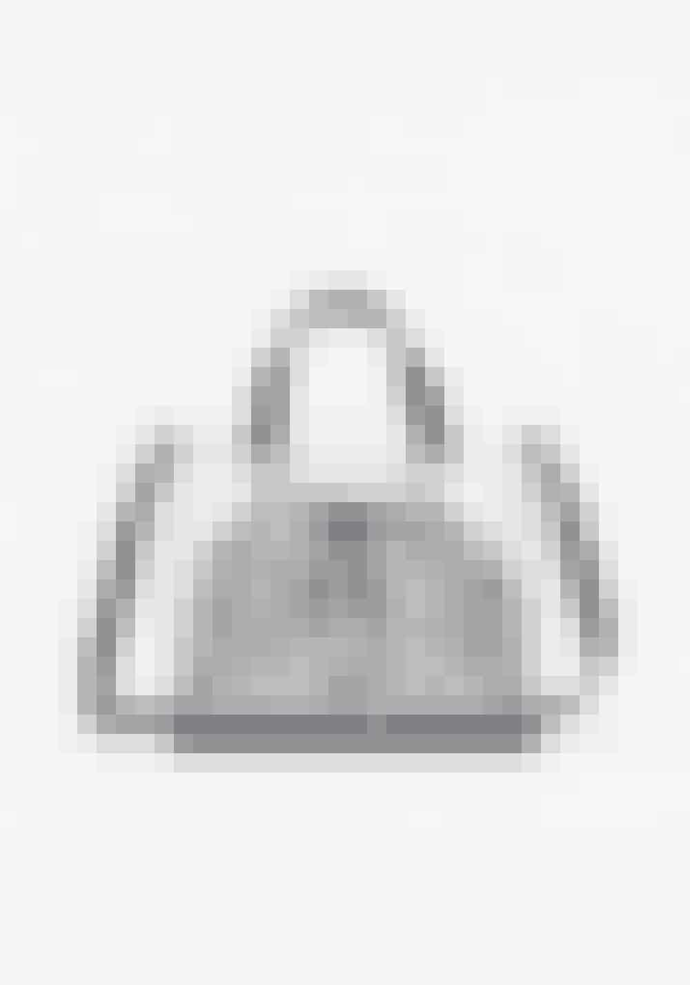 Zara, shoppetaske i vinyl, 249 kr.Kan købes online HER