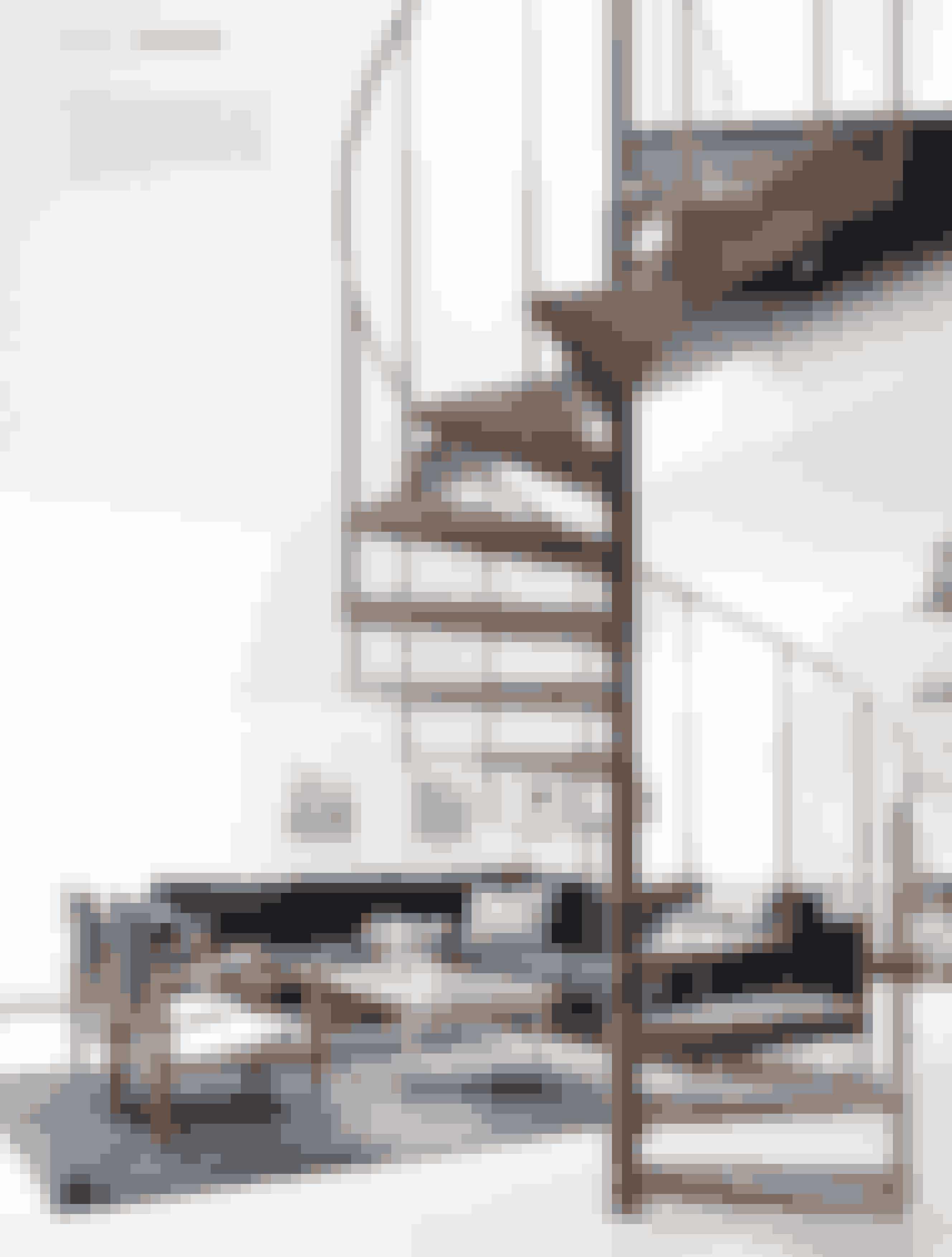 Eksklusive designikoner, international stemning og interessante kunstværker danner ramme om Maria Schulz' og Morten Kjærs luksuslejlighed på toppen af Frederiksberg. Der er sans for detaljer og fokus på kvalitet, når de indretter.
