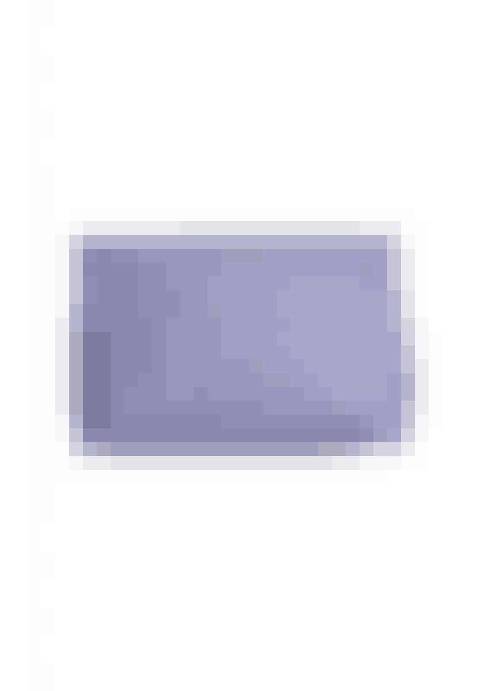 """Lavendel er en velkendt nuance fra sidste forår, men i år kommer den tilbage i alle nuancer. Farven kan styles med jordnære nuancer, eller hvis man er modig - gul og orange. Pantone har desuden udnævnt farven til årets farve i 2018.Designers Remix, """"Gigi"""" medium pouch, 700 kr. Kan købes online HER"""