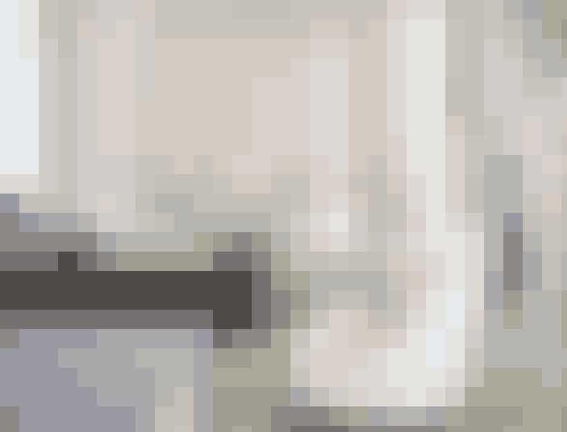 Gwyneth Paltrow var selv med til at lægge sig fast på farveskalaen i lejligheden. 'Sart hvid og de lyseste nuance af lavendel, grå, sølv', forklarer arkitekterne bag.