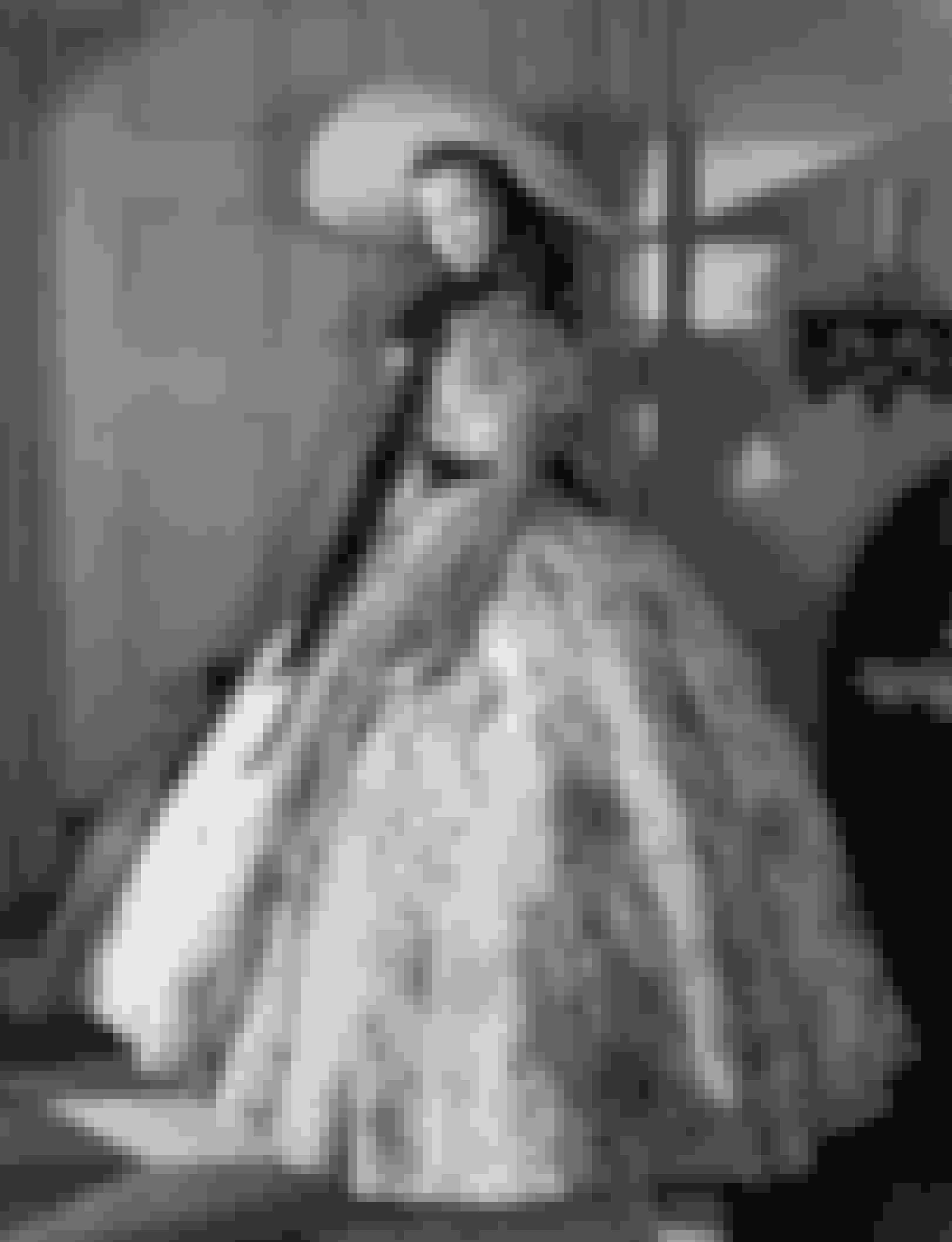 Gone With The Wind (1939)Denne romantiske klassiker, somhar den amerikanske borgerkrig som baggrund,er baseret på en roman af Margaret Mitchell, og byder på stjerner som Vivien Leigh og Clark Gable. Filmen er også berømt for en scene, hvorScarlett O'Hara (Leigh) laver en elegant kjole ud af nogle gamle gardiner.