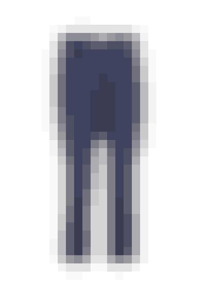 The Sophie, The Sophie Pants, 1.499 kr. Fås online HERToppen kan sættes sammen med silkebukserne fra samme mærke, men kan også bruges sammen med en nederdel – både en kort og en lang nederdel vil være klædelig.