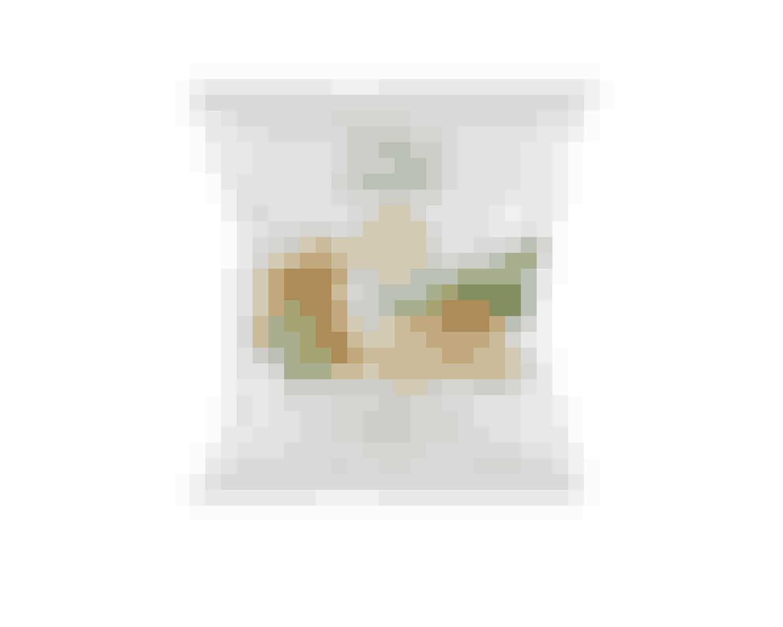 ISIS Sour Cream Onion ChipsISIS fedtfattige Chips med sour cream & onion er til dig, der er vild med sprøde, velsmagende chips, men som gerne vil undgå for meget fedt. ISIS Chips indeholder nemlig 60% mindre fedt end traditionelle kartoffelchips. De har desuden et højt proteinindhold, hvilket bidrager til vedligeholdelse af musklerne.50g 15,95 kr.Fås online HER