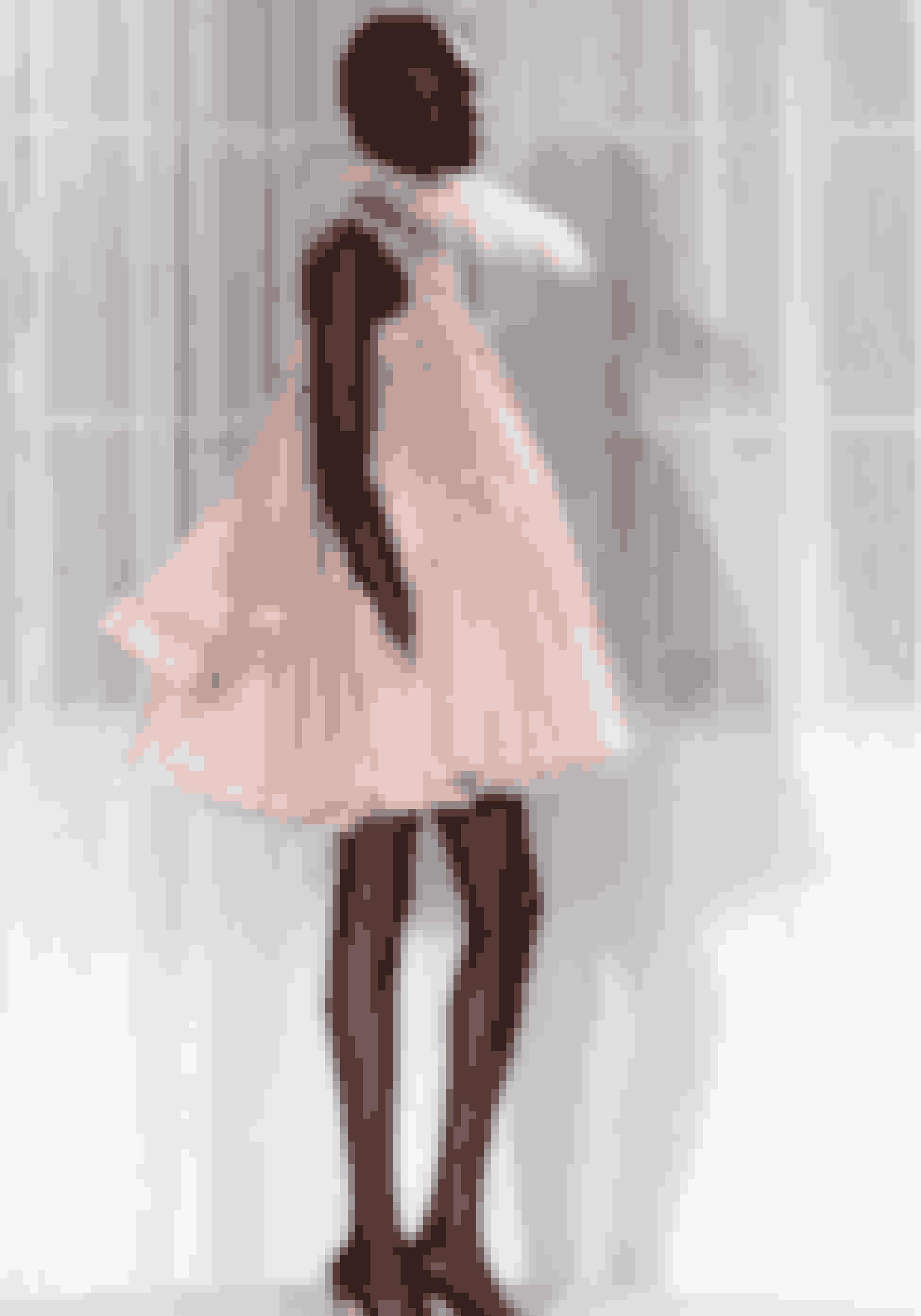 Topmodellen Alek Wek i lyserød babydoll-kjole tilbage i 2007, hvor hun gik show for Osman Yousefzada under modeugen i London