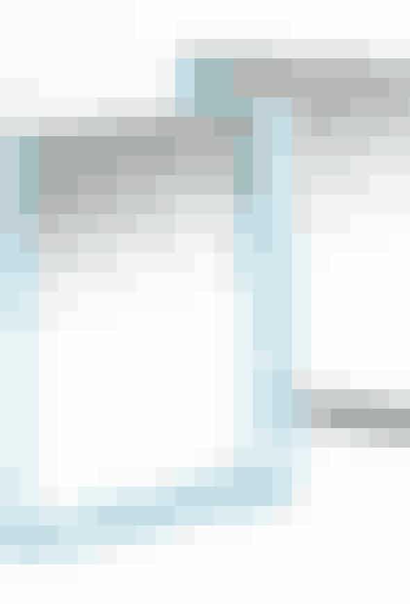 Only Me-Spejle fra Kartell, fås i flere farver og størrelser. Find dem her!