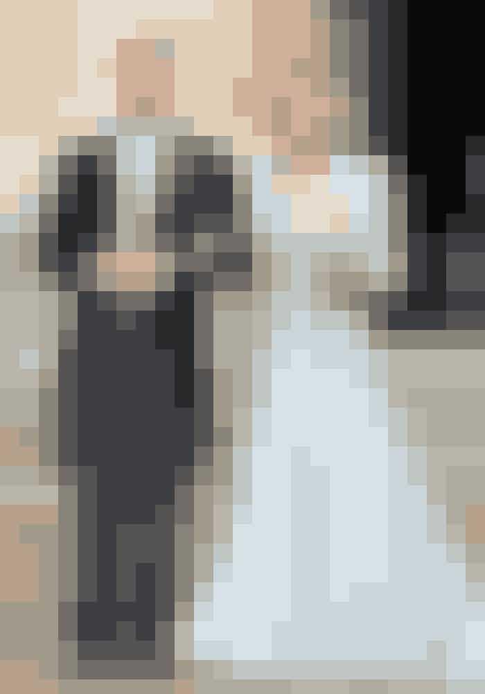 Prins Charles og Camilla Den 9. april 2005 fik samme Prins Charles endelig lov til at gifte sig med Camilla Parker Bowles, som han eftersigende indledte en affære med allerede inden ægteskabet med Diana. En overdådig hovedbeklædning satte fint fokus på den bølgede frisure, der trods alt er den, der kommer tættest på Lady Di's.