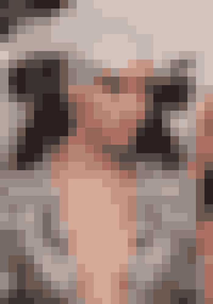 Cara Delevingne løb uden tvivl af sted med årets mest fotograferede beauty-look. Modellen, som har barberet håret af i forbindelse med en filmrolle, var nemlig dækket af sølvstøv - næsten som et moderigtigt rumvæsen.