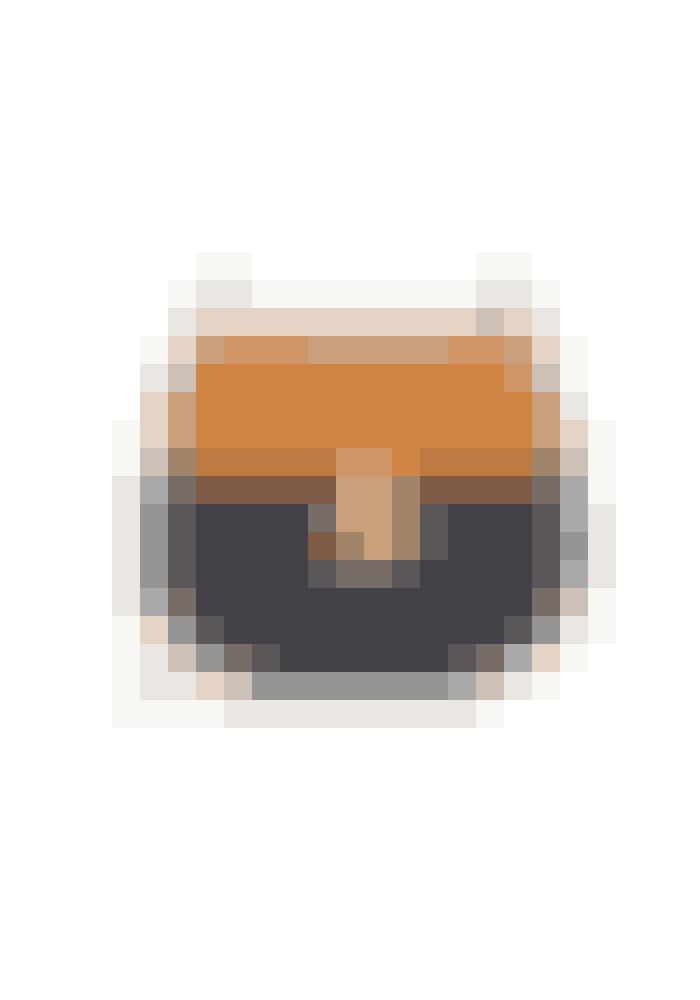 Chloés DrewChloé emmer af 70'er vibes, og tasken 'Drew' har været fremme længe. Chloé bliver ved med at forny den fine taske i nye og fine farver, så du kan med garanti finde én, som passer lige nøjagtig til dig og din stil.KøbHER