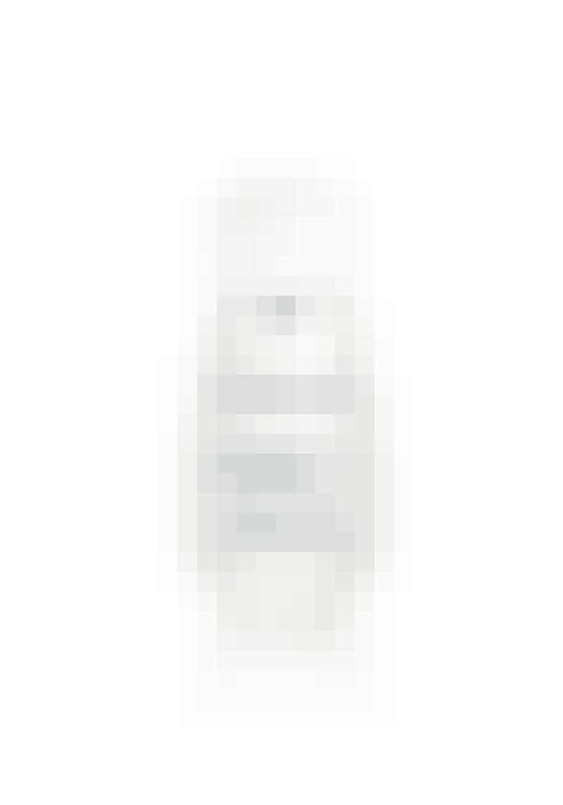 Linjerne viskes udMinimerer synlige tegn på aldring og forstørrede porer samt blødgør fine linjer, så huden får et sundt og friskt udseende.L'Institut Youth Resur-facing Peel, Darphin, 30 ml, 625 kr. Købes online HER