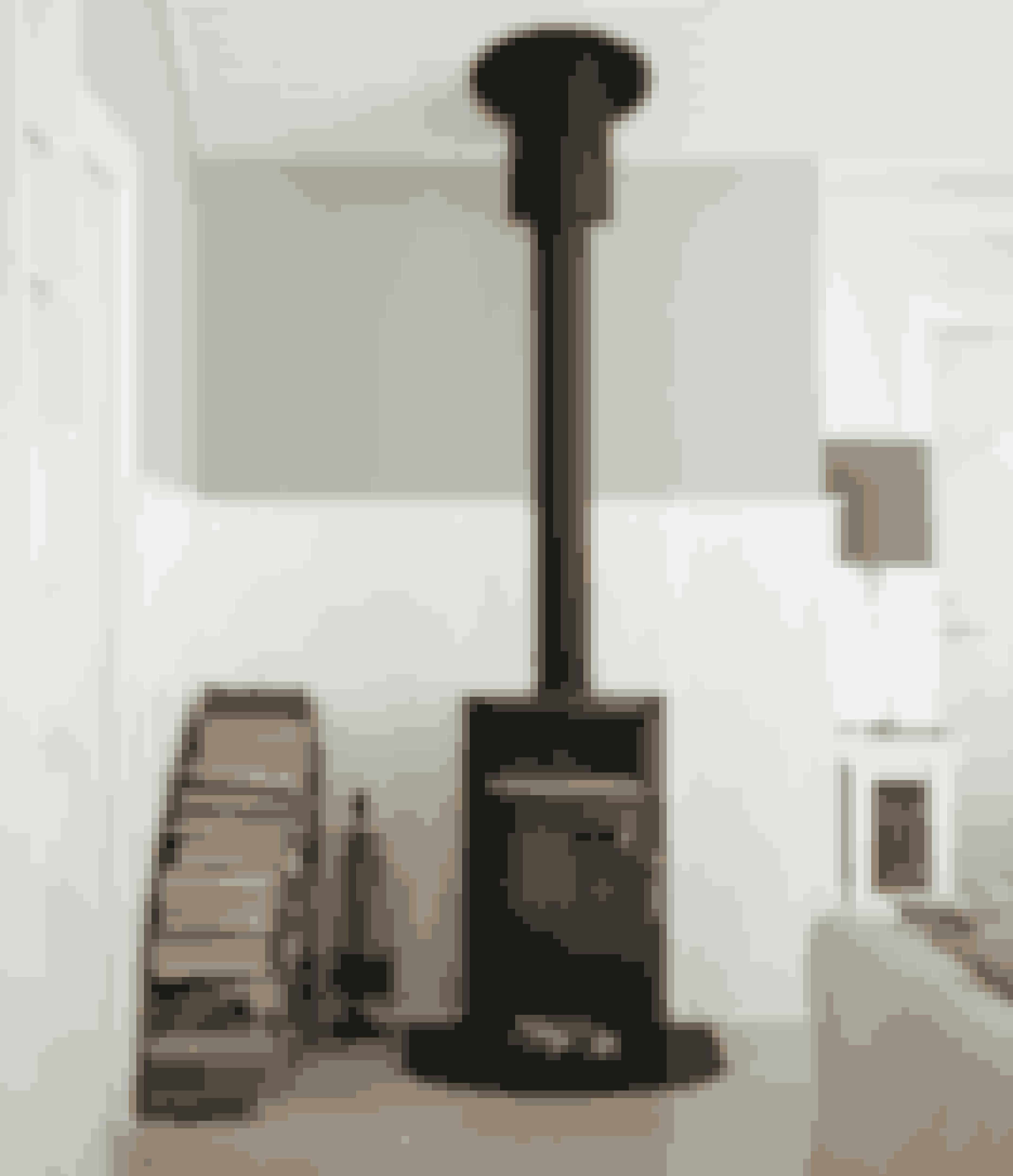Med en indendørs brændestabel har du altid tørt brænde lige ved hånden, og så ser det også hyggeligt ud.