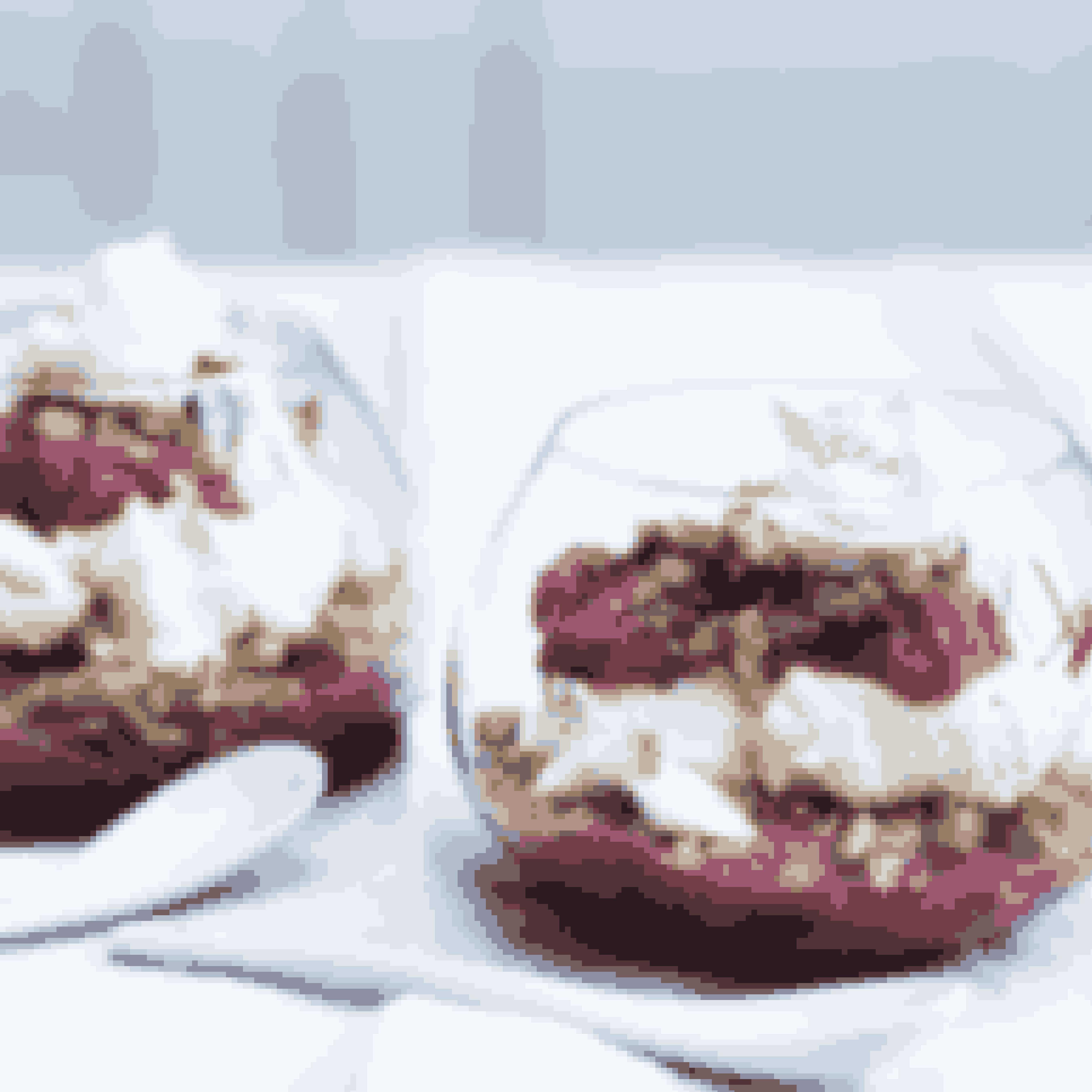 Hvis du ikke vil benytte rabarber, kan du koge en æblekompot eller lave en anden kompot af din yndlingsfrugt.Det skal du bruge til trifli med rabarber og nøddekrymmelTid: 20 min. Antal: 4 personer400 g rabarber240 g rørsukker2 spsk. kartoffelmelkorn af 1 vaniljestangMacaponecreme:2½ dl piskefløde250 g mascarponekorn af 1 vaniljestangskal af 1 usprøjtet citron3-4 spsk. flormelisNøddekrymmel:2 spsk. sirup100 g smør100 g valnødder, hasselnødder eller mandler100 g havregrynSådan laver dutrifli med rabarber og nøddekrymmelRens rabarberne, og skær dem i stykker på 2 cm. Fordel dem i et ovnfast fad beklædt med bagepapirDrys med sukker, kartoffelmel og vaniljekorn, og læg også den tomme vaniljebælg i fadet.Bag rabarberne i en 175° varm ovn i 20 minutter. Lad rabarberne afkøle helt.Fjern vaniljebælgen, og rør rabarberne sammen til en ensartet masse.Mascarponecreme: Pisk fløden til skum, og vend flødeskummetsammen med mascarpone, vaniljekorn, fint-revetcitronskal og flormelis.Nøddekrymmel: Varm sirupog smør op på en pande. Tilsæt hakkede nødder og havregryn, og rist det i 5 minutter under konstant omrøring. Lad blandingen køle af.Byg triflien op i små glas eller i en stor skål.Start med et lag rabarber, drys et lag krymmel på, og fordel så et lag vaniljecreme over. Gentag med at lægge lag i denne rækkefølge, og servér.