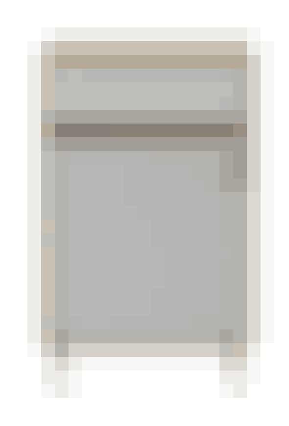 Sengebord med en moderne og rå kombination af eg, metal og læder, 2.699 kr. Køb det her