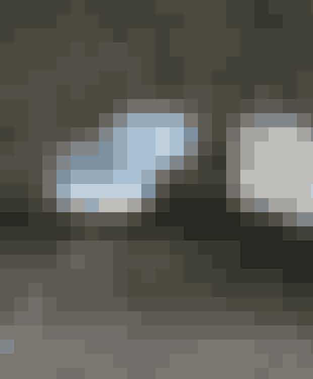 Four Me med træstel og indersidepolstring er med til at skabe en hjemlig asmosfære i ethvert rum. Skalen er produceret i bio-kunststof, der giver en ultra blød form. Find den her!