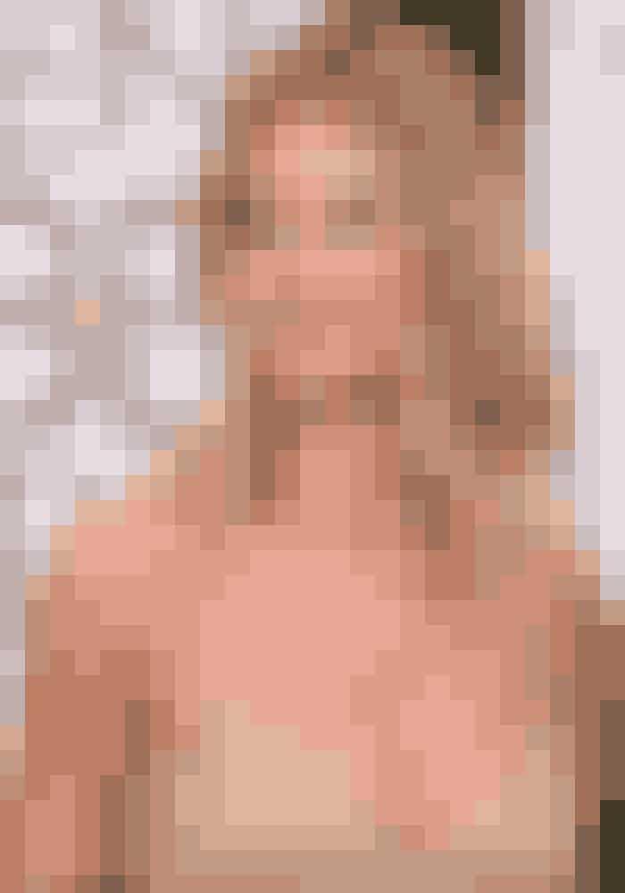 Rosie Huntington-Whiteley,Model og skuespillerindeMan må misunde Rosie for hendes skønne gyldne glød. Hendes look guld i guld toner, som kunne ses både i makeuppen,på neglene og selve kjolen.LÆS OGSÅ:VIDEO-GUIDE | Læg den perfekte makeup
