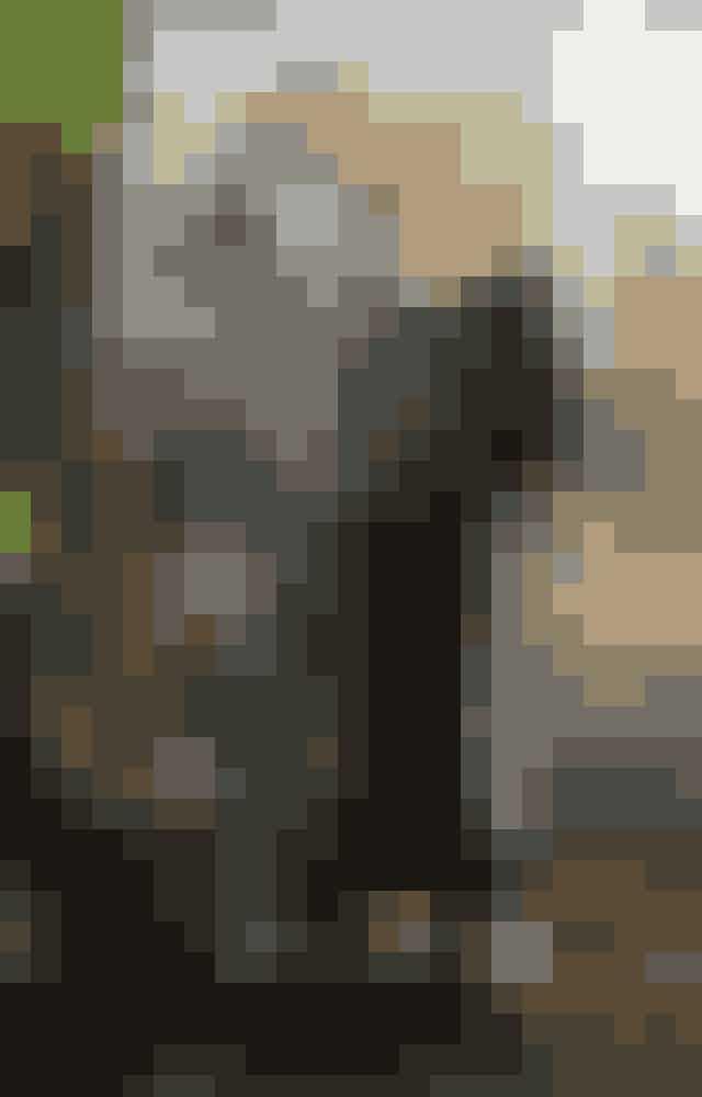 Hugh Jackman og Deborra-Lee FurnessSkuespillerparret Hugh Jackmann og Deborra-Lee Furness besluttede sig for at adoptere, efter at de havde været igennem to ufrivillige aborter. Parret har i dag to skønne adoptivbørn - Oscar Maximillian på 20 år og Ava Eliot på 15 år.