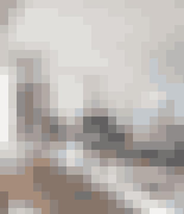 Med et eller flere gulvtæpper giver du stuen et friskt pust.Har du gulvtæpper liggende forskellige steder, så prøv at samle dem i en gruppe, hvor de overlapper hinanden lidt. Det giver en afslappet stemning.