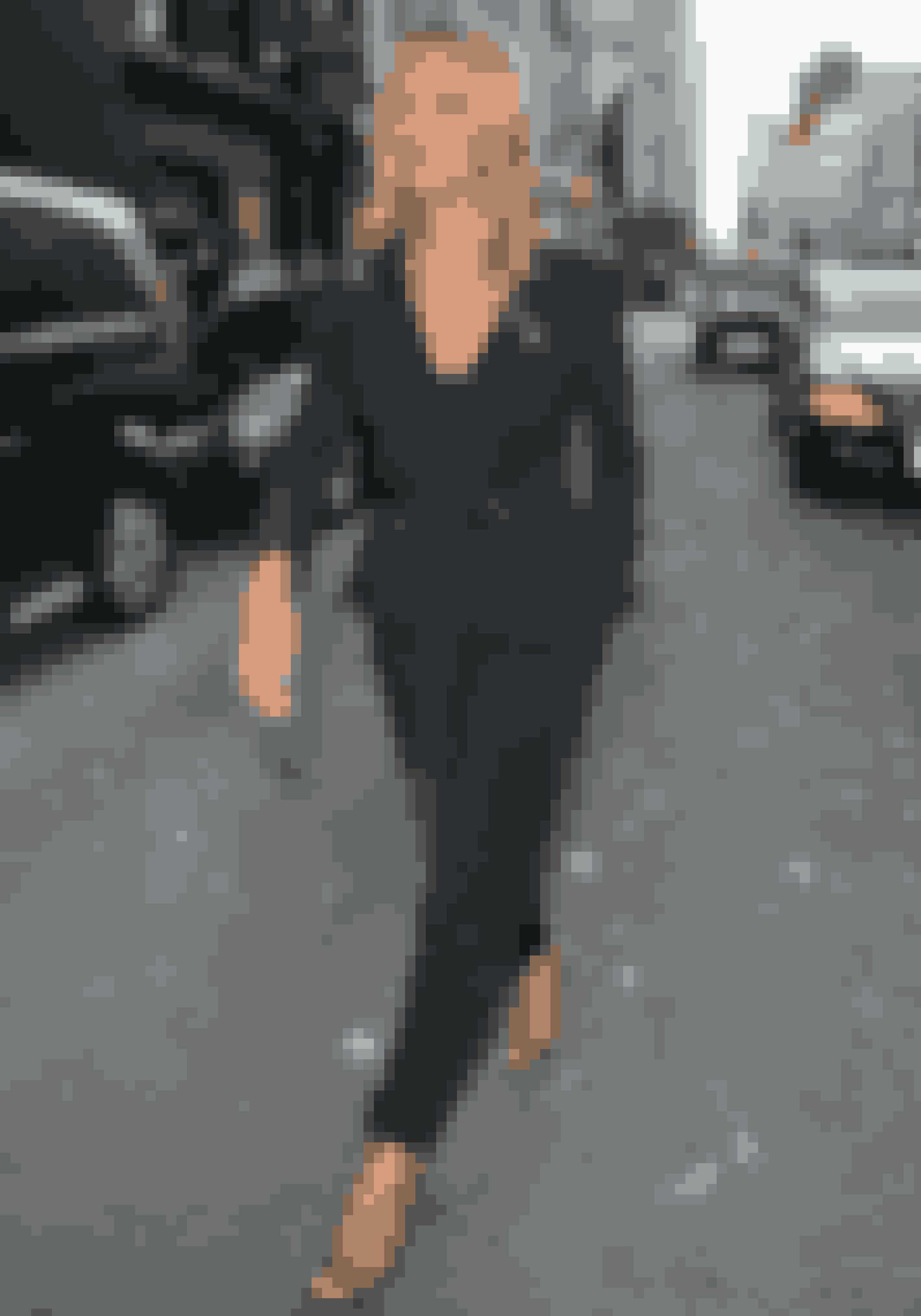 Kate Moss slår gang på gang fast, at hun kan finde ud af det der med stil. Den labre brite kører en tomboyish stil med et klassisk og feminint twist.