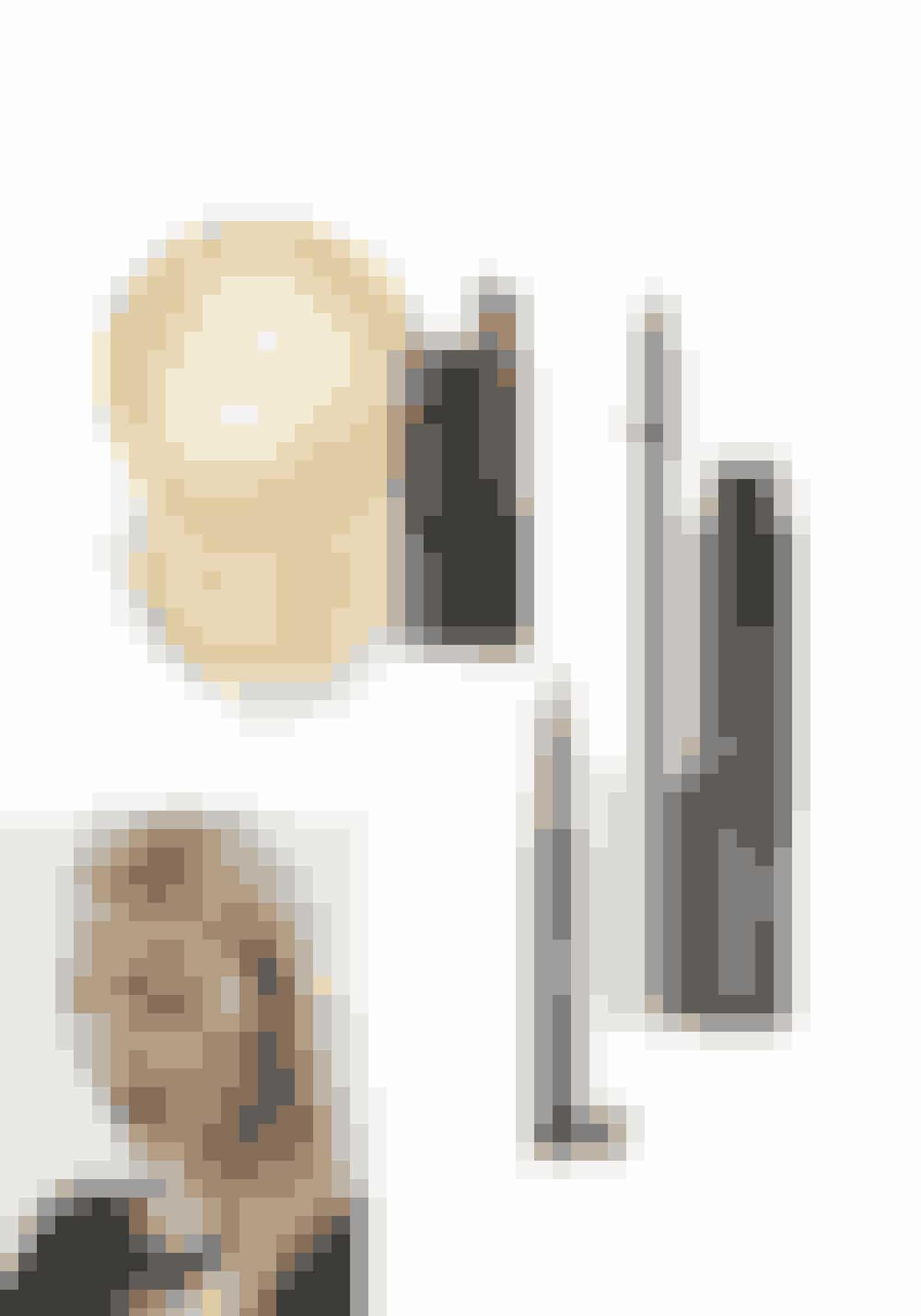 Klassisk katGolden Glow Loose Powder, Diorific, 444 kr. Købes online HERPlush Up Lip Gelato, Elizabeth Arden, 220 kr. Købes online HERFlydende eyeliner, Signature de Chanel, 320 kr. Købes online HERHigh Impact Lash Elevating Mascara, Clinique, 150 kr. Købes online HER