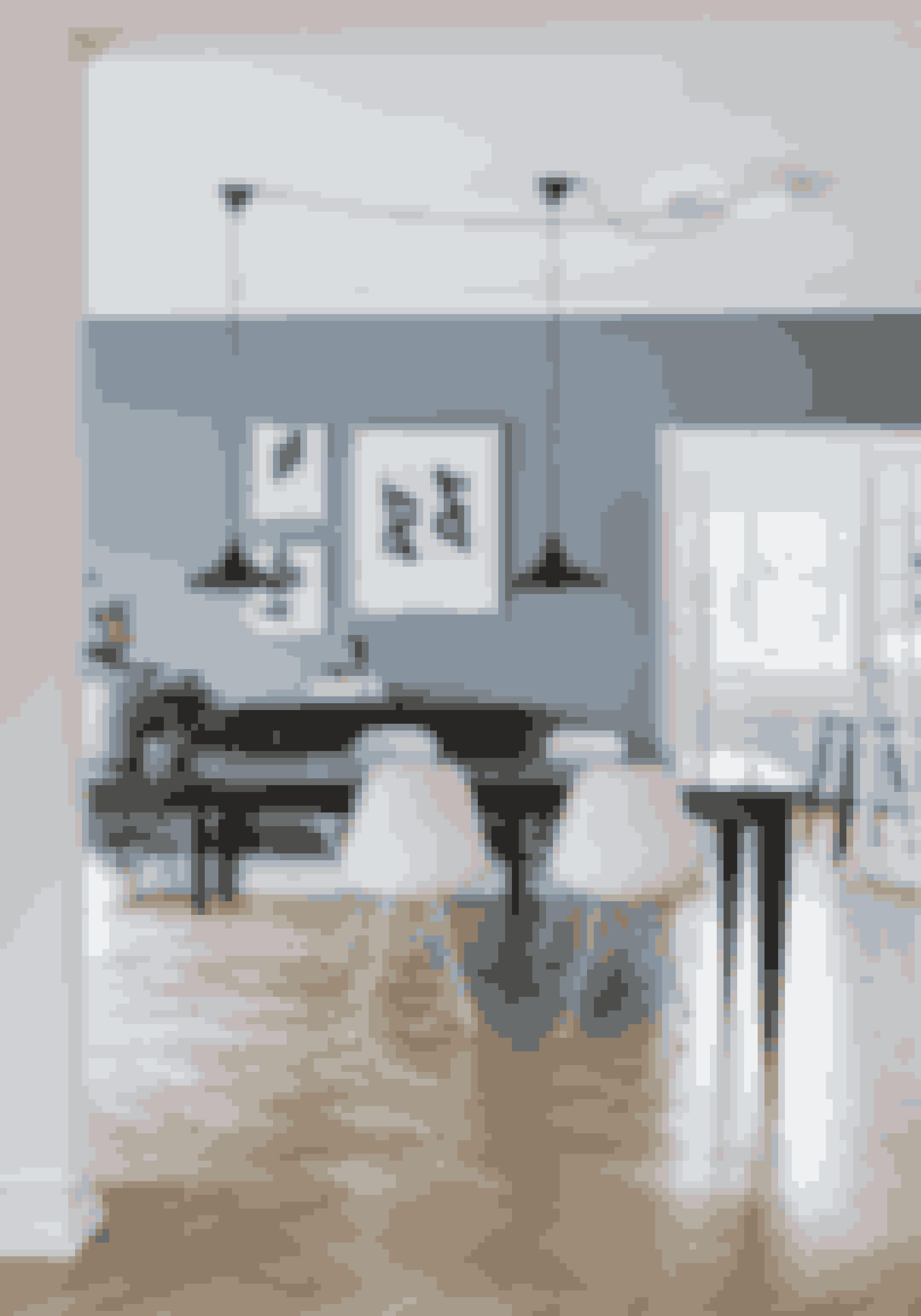 Kombinér tunge møbler med lettere moderne, og sæt klassikere sammen på kryds og tværs, hvis du vil give kant til de klassiske rammer.