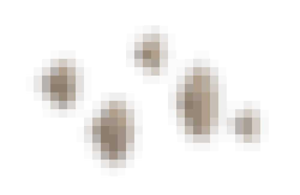 Dots knager fra Muuto i massiv eg, 5 knager i forskellige størrelser, 745 kr. Køb dem her!