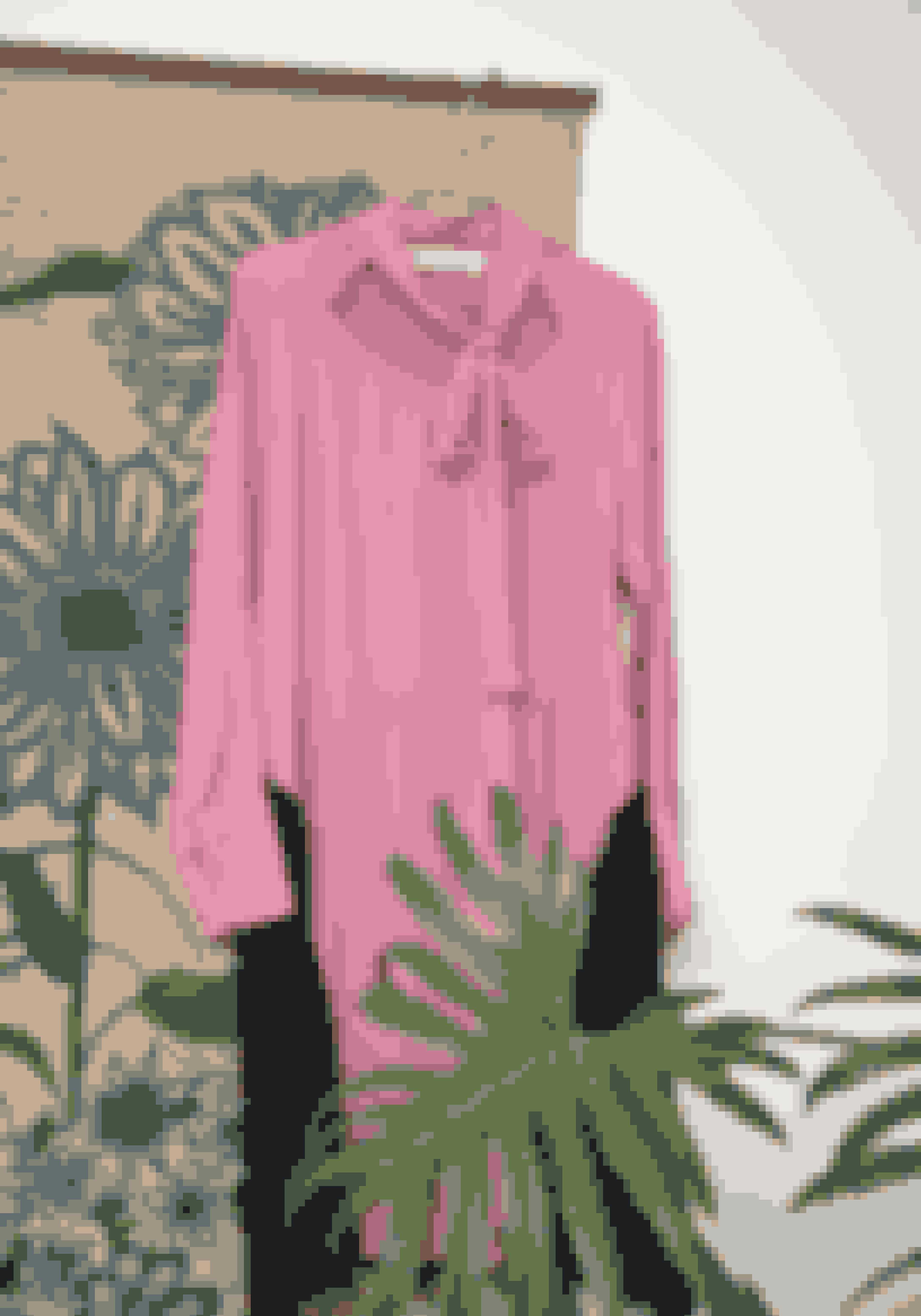 Den lyserøde kjole fra Marni er et fund fra Beacon's Closet i New York, hvor Pil Fischer fik den for 200 kr.
