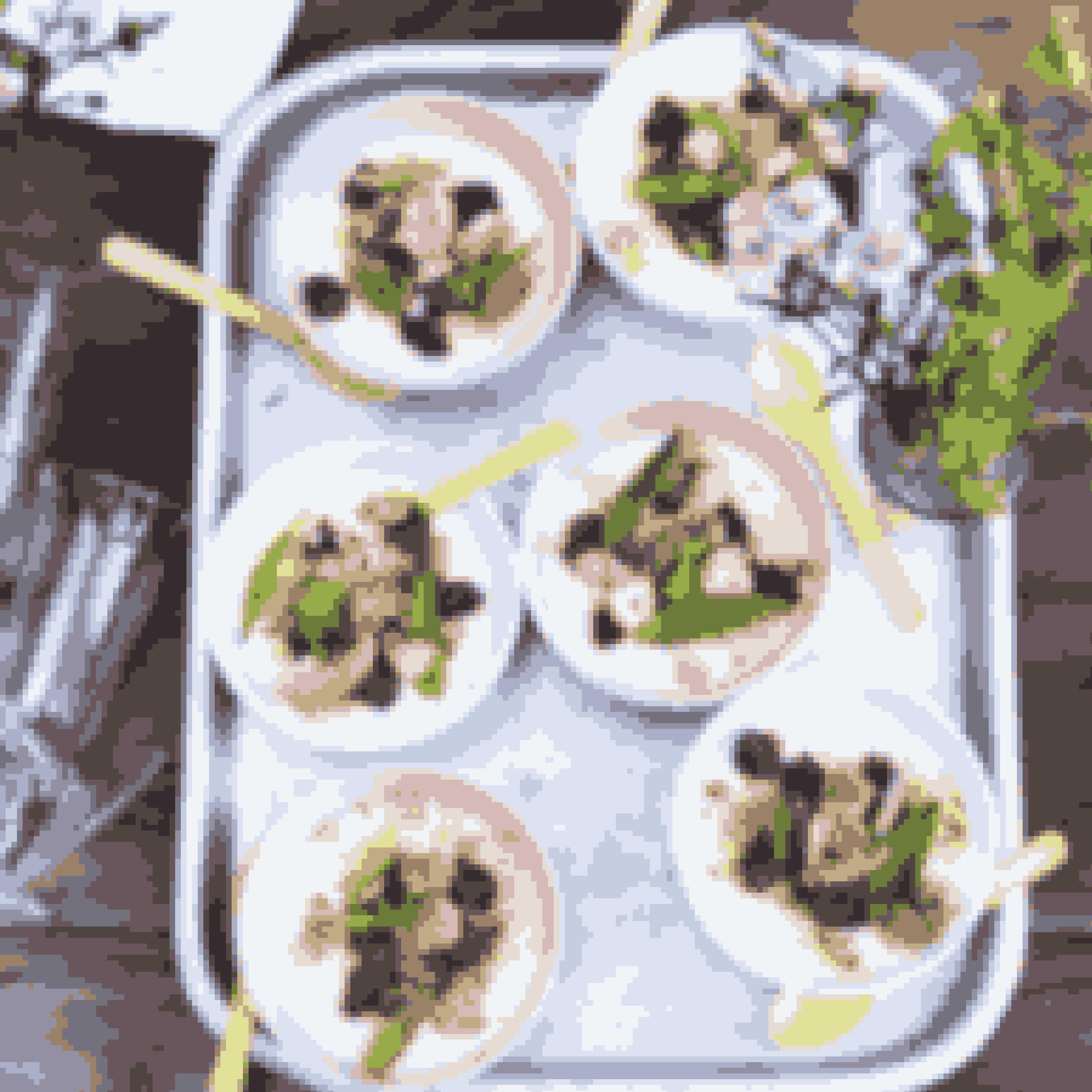 Det skal du bruge til koldskålcreme med vanilje, hindbær og lakridsmakronerAntal: 10 personer2 vaniljestænger150 g sukker5 dl fløde 38 %4 blade husblas5 dl kærnemælk100 g makroner1 spsk lakridspulver200 g hindbærSådan laver dukoldskålcreme med vanilje, hindbær og lakridsmakronerFlæk vaniljestængerne på langs, skrab kernerne ud, og bland dem godt med sukkeret.Hæld sukker, vaniljestænger og fløde i en gryde, kog op, og lad det simre i 15 minutter.Tag fløden af varmen, udblød husblassen i koldt vand, og smelt den i den varme fløde.Sigt så fløden, og køl den ned så den bare er lun, inden du rører kærnemælken i.Hæld flødeblandingen i 10 små skåle eller glas, og sæt dem på køl i mindst 3-4 timer.Knus makronerne let, og vend dem med lakridspulveret.Anret kærnemælkscremen med hindbær, lakridsmakroner og et par blade citronverbena.