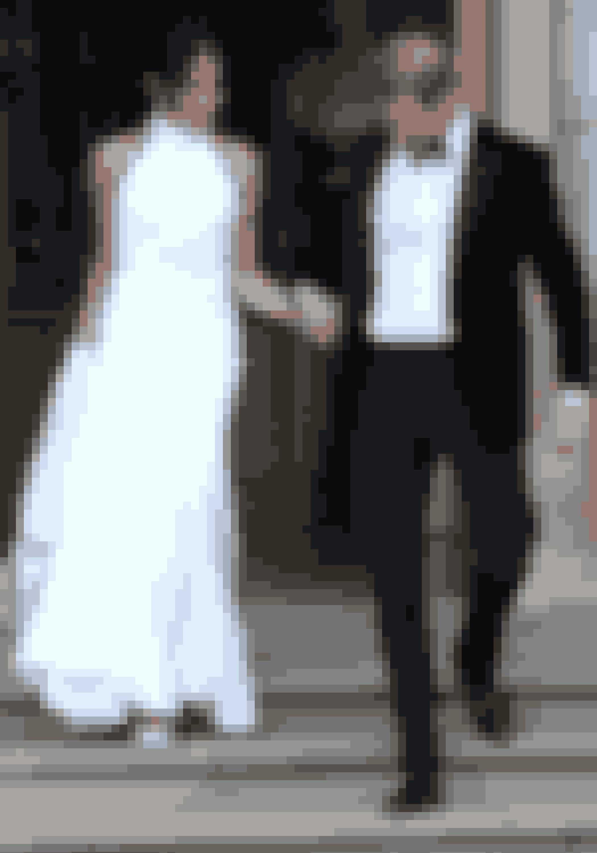 Meghan i hendes anden brudekjole - designet af den britiske designer Stella McCartney.