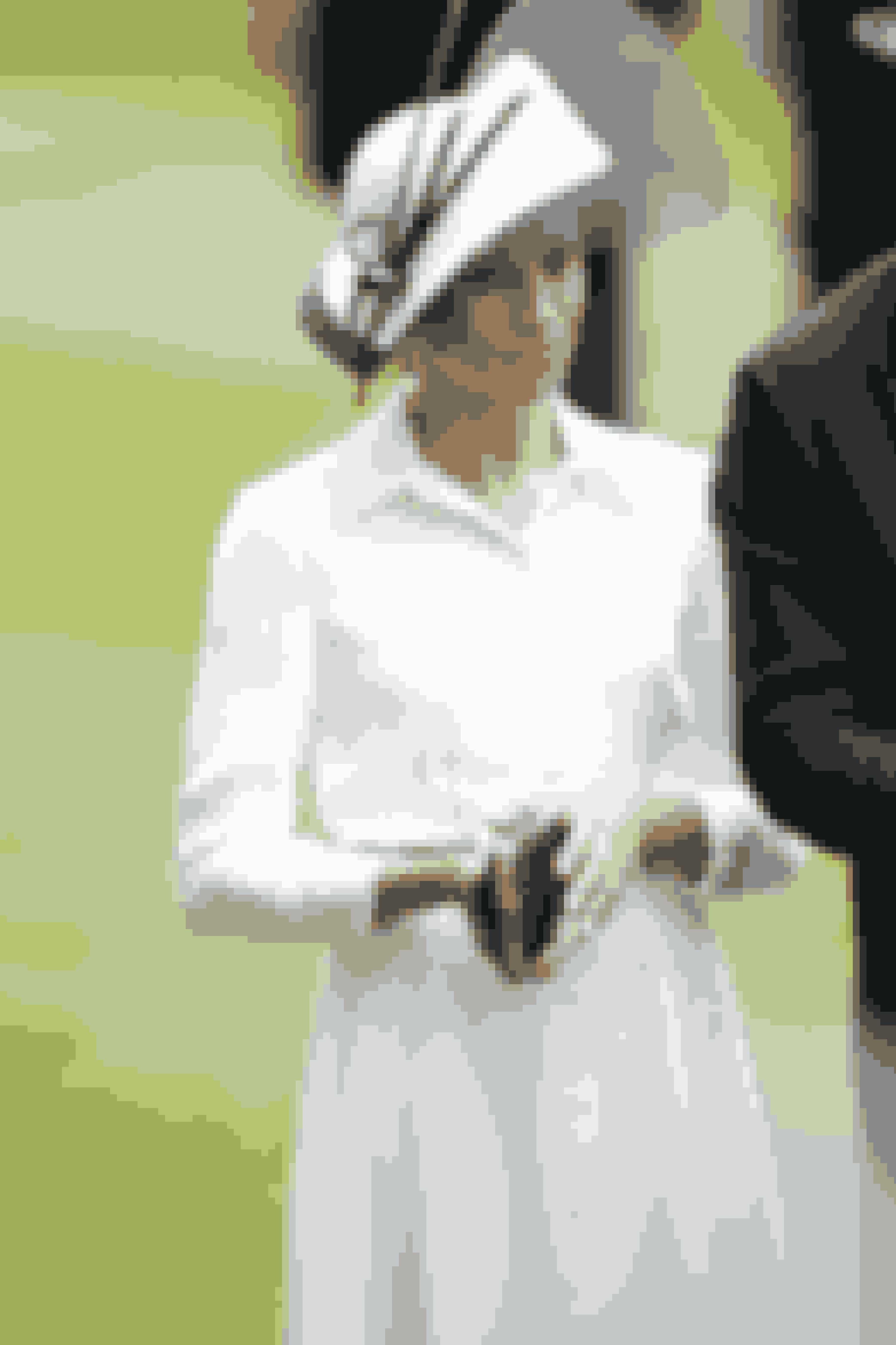 Meghan i endnu en hvid Givenchy sag.