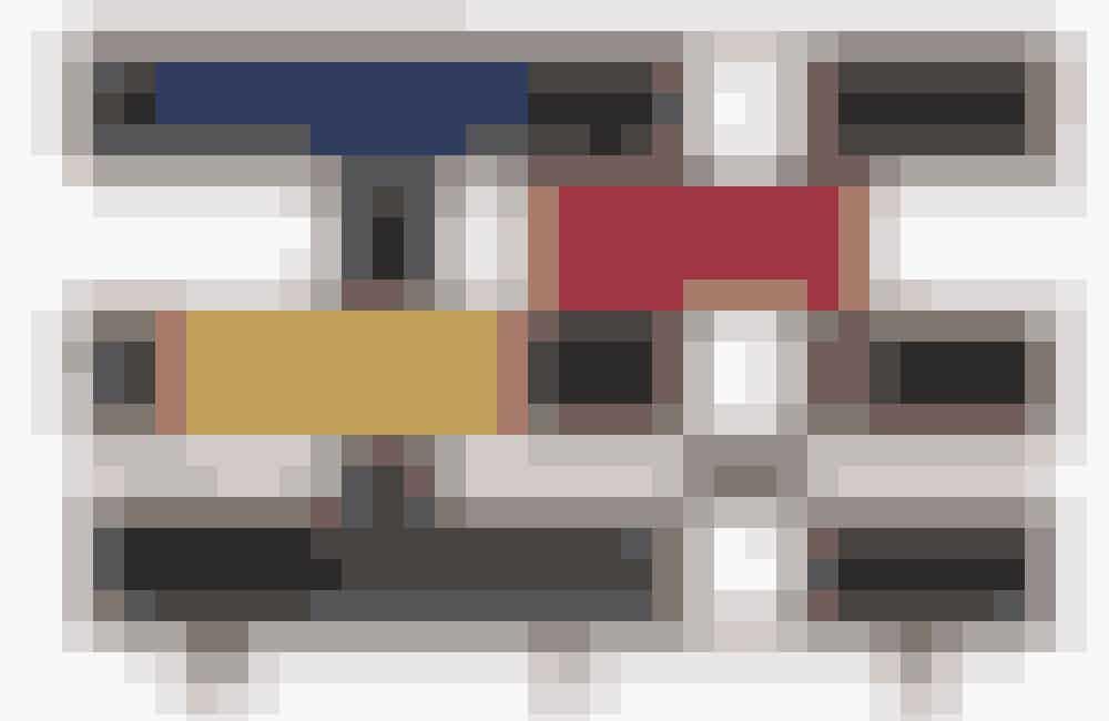 Bøger skaber hygge i et hjem, og ekstra raffineret bliver indretningen, hvis selve reolen er lidt ud over det sædvanlige. Det er reolen Nuage, som blev designet af franske Charlotte Perriand (1903-99) i midten af 1950'erne og som i dag fremstilles af firmaet Cassina.