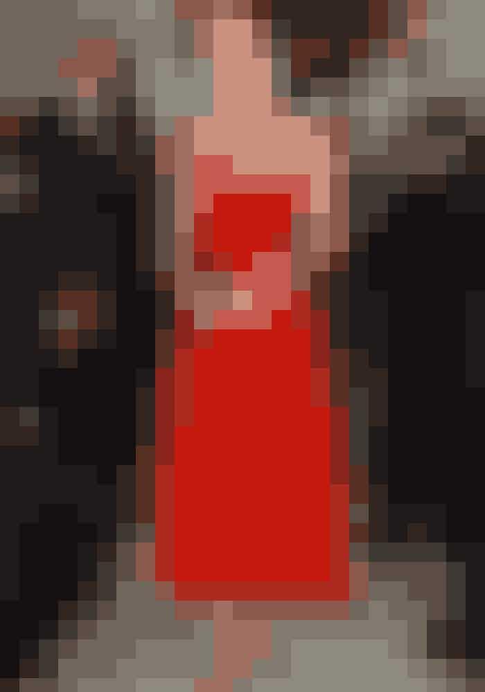 Rød kjole, Kate