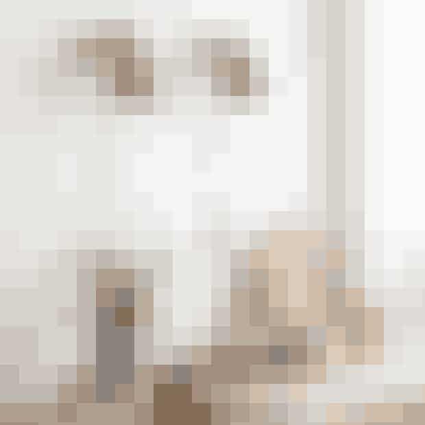 Klassiske væglamper fra Søstrene Grene, der tager sig godt ud på en væg i køkkenet eller over en hylde. Find dem her!