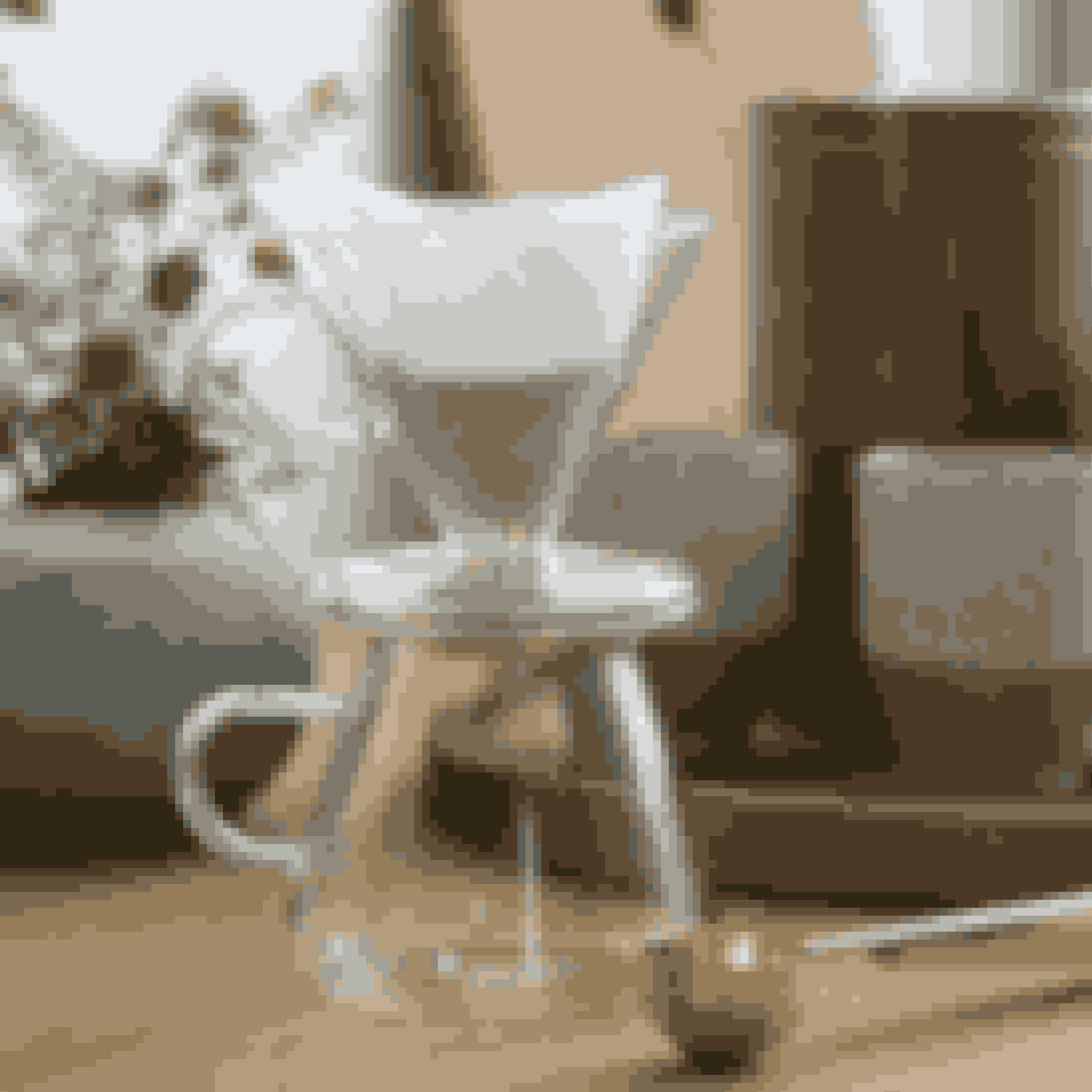 Lækker minimalistik og moderne kaffebrygger. Kaffebryggeren er fin i sig selv, så du sagtens kan sætte den frem, når du har gæster.Kaffebrygger, 78 kr.