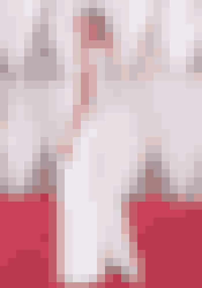 Supermodel Karlie Kloss i Stella McCartney på den røde løber.