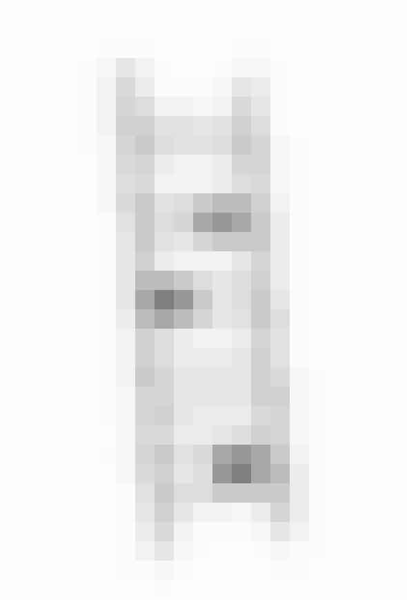 Verso hylde fra Hem i sort med tre Verso avishylder, L 180 cm x B 56 cm x D 16 cm, 2225 kr. Køb den her!