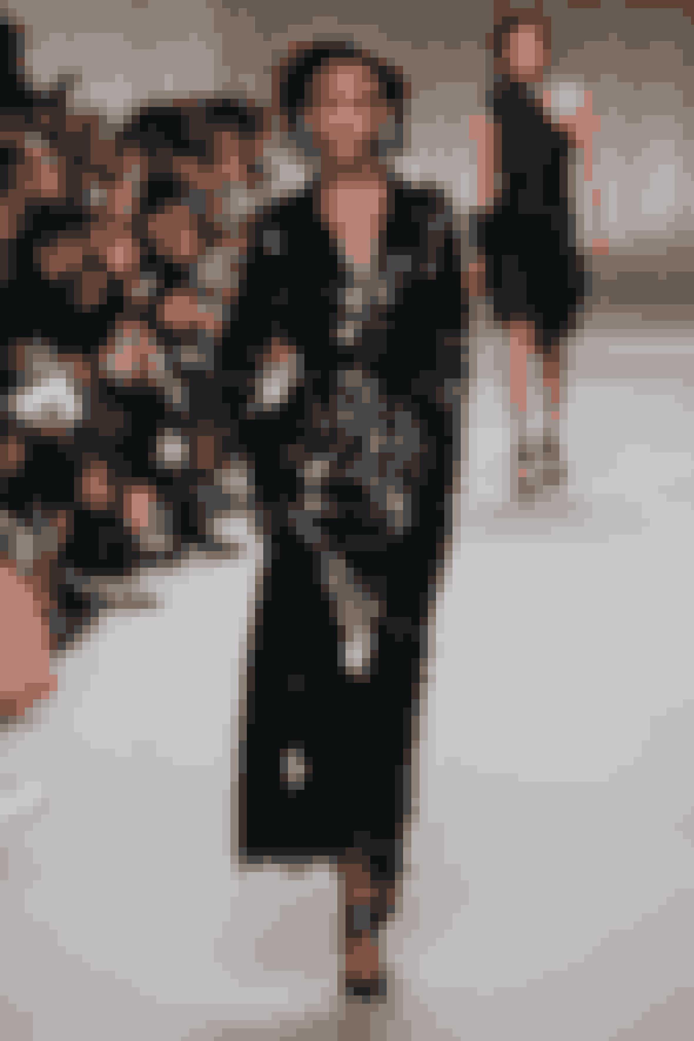 VINYLGLANSLak og skinnende læder var nøgleord for flere designere, da de viste deres efterårskollektion. Udtrykket minder om vinylpladerne fra fortiden, men trenden passer godt ind i nutidens glorificering af vinyltiden, fx med HBO-serien 'Vinyl' med danske Birgitte Hjort Sørensen på rollelisten.I det IN, der er på gaden lige nu, kan du få tips til, hvad du skal købe fra vinyltrenden, og hvordan du skal bruge den i din stil.Lanvin AW16.