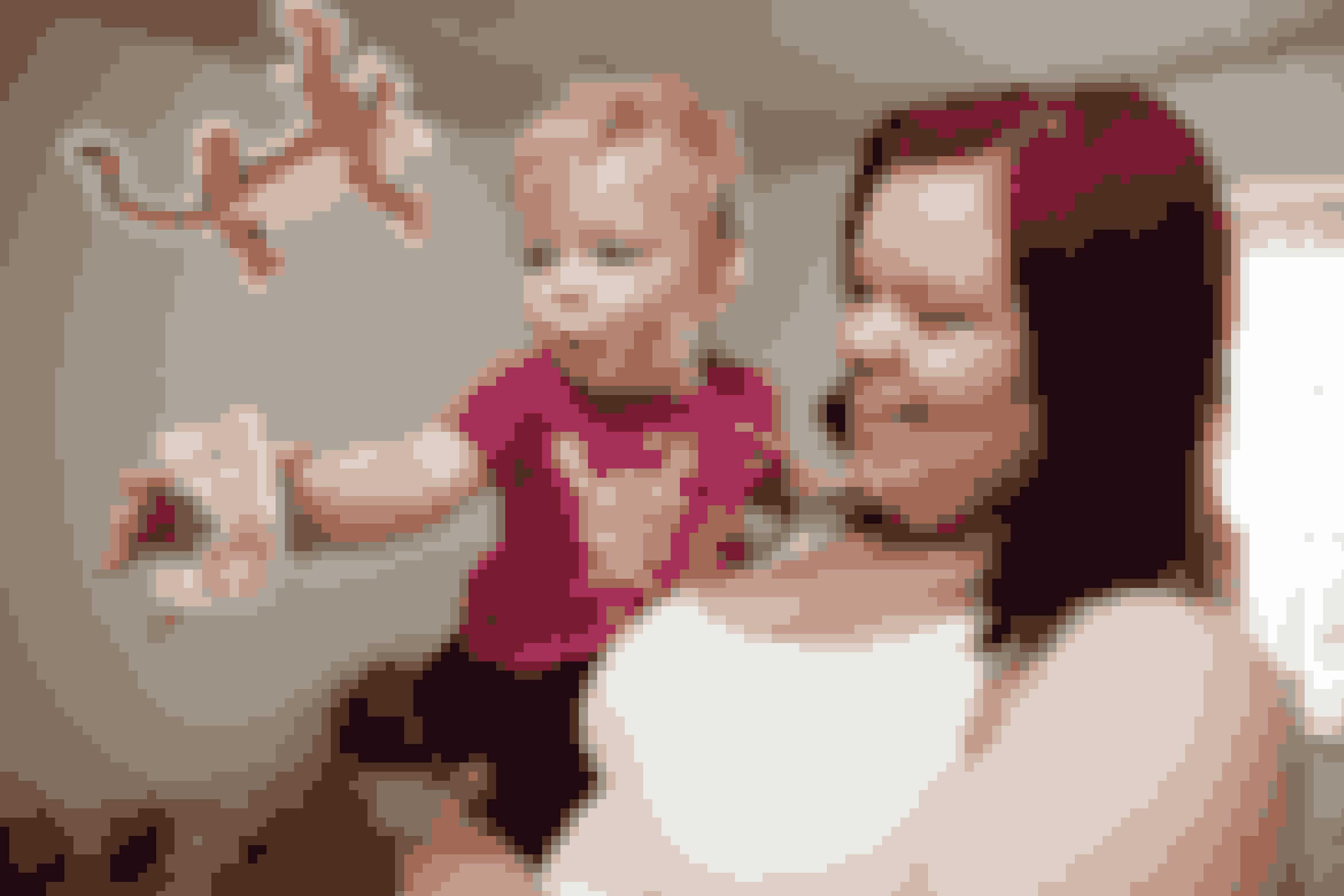 Inge Yvonne Christiansen er kvinden bag de søde Puwerpuff tatoveringer.   Her er hun med datteren Annabel, som hun også har tilegnet en tatovering.   Foto: Morten Mejnecke