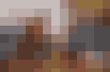 Mavedans er livsglæde, højt humør og en del af fødsels-forberedelserne for gravide i Midtjylland. Fra venstre: Mie Nørby,Kathrine Kristensen, instruktør Kirsten Hoffmann, Anja Bentsen,jordemoder Kristine Henriksen og jordemoder Britt Akhsas.