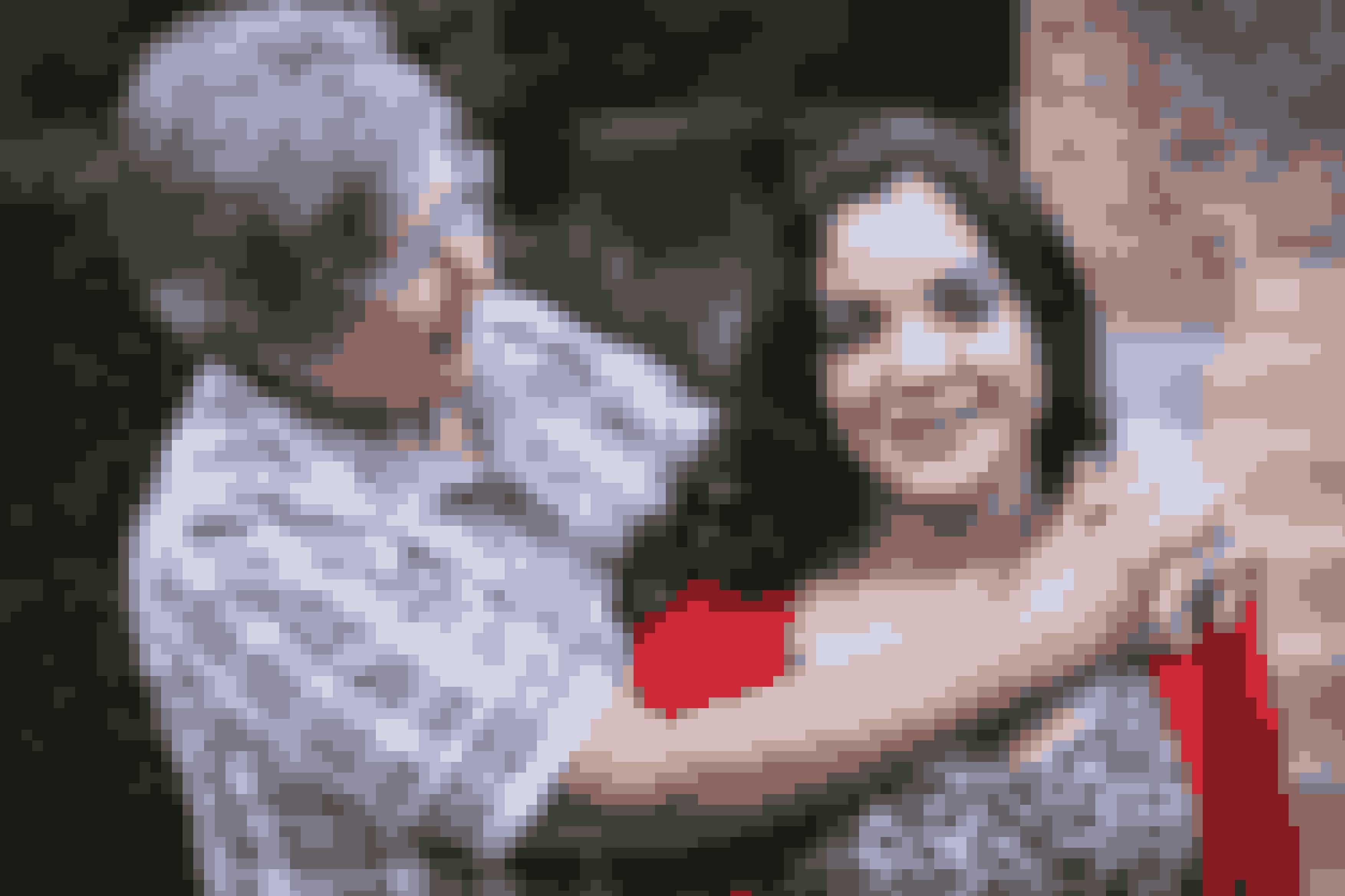 Cecilia Kronborg med sin danske adoptivmor Gitte. Cecilia har dog altid ønsket af finde sin biologiske mor, som er fra Rumænien.