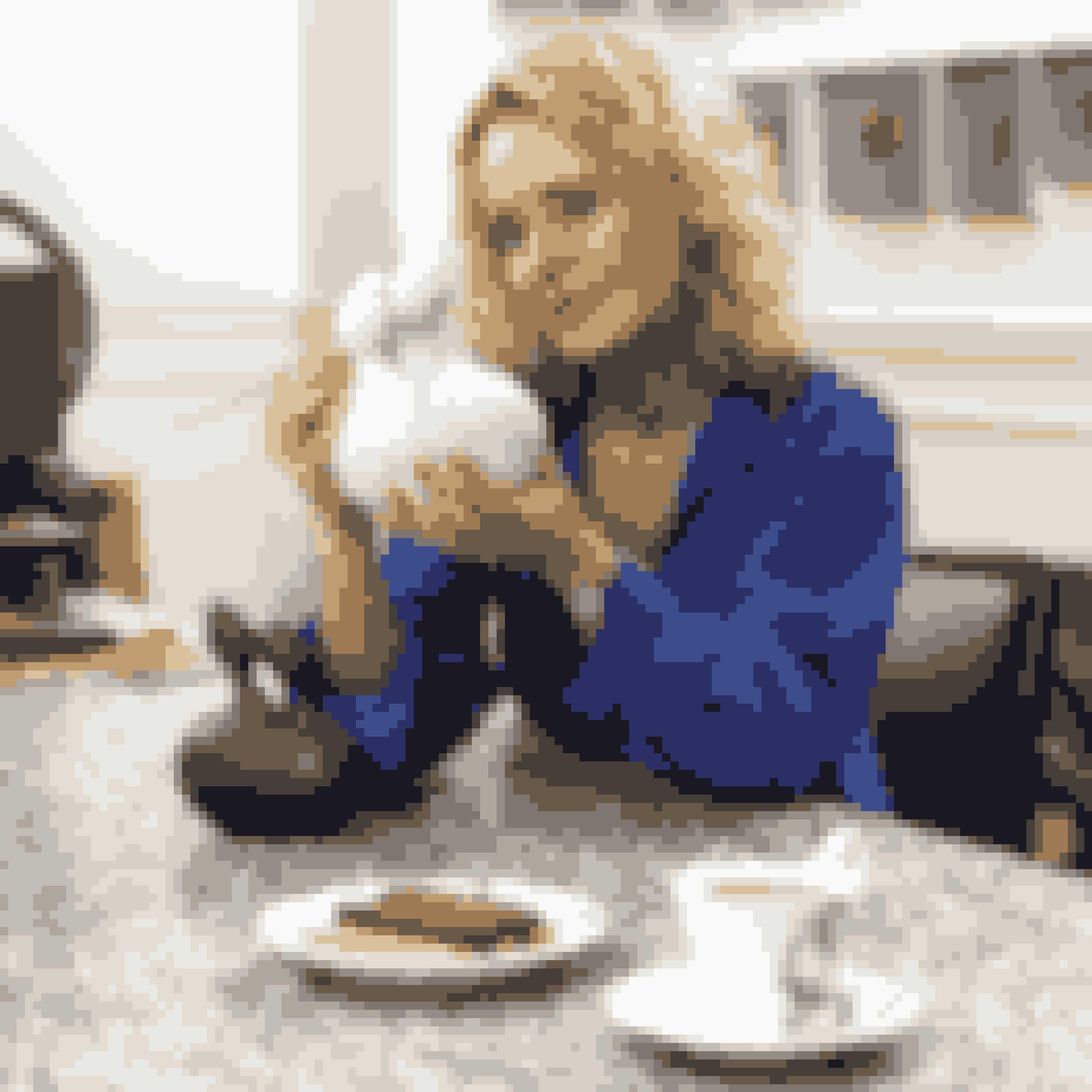 Monica Ritterband har skiftet jakkesæt og direktør-titel ud med kittel og malerpensel