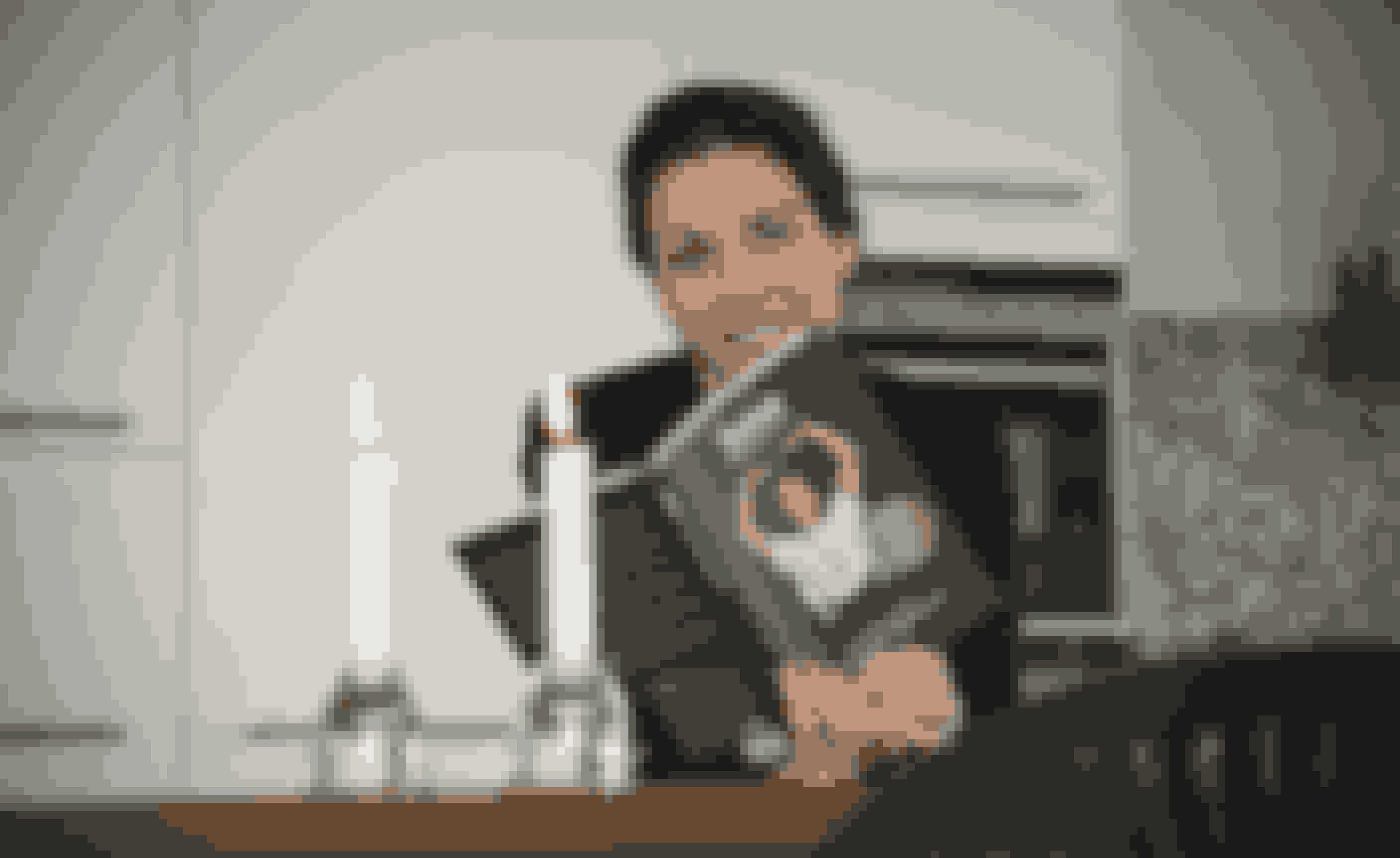 """Bogen """"Sense - slank med fornuft"""" er en grundbog med Suzys kostprincipper."""