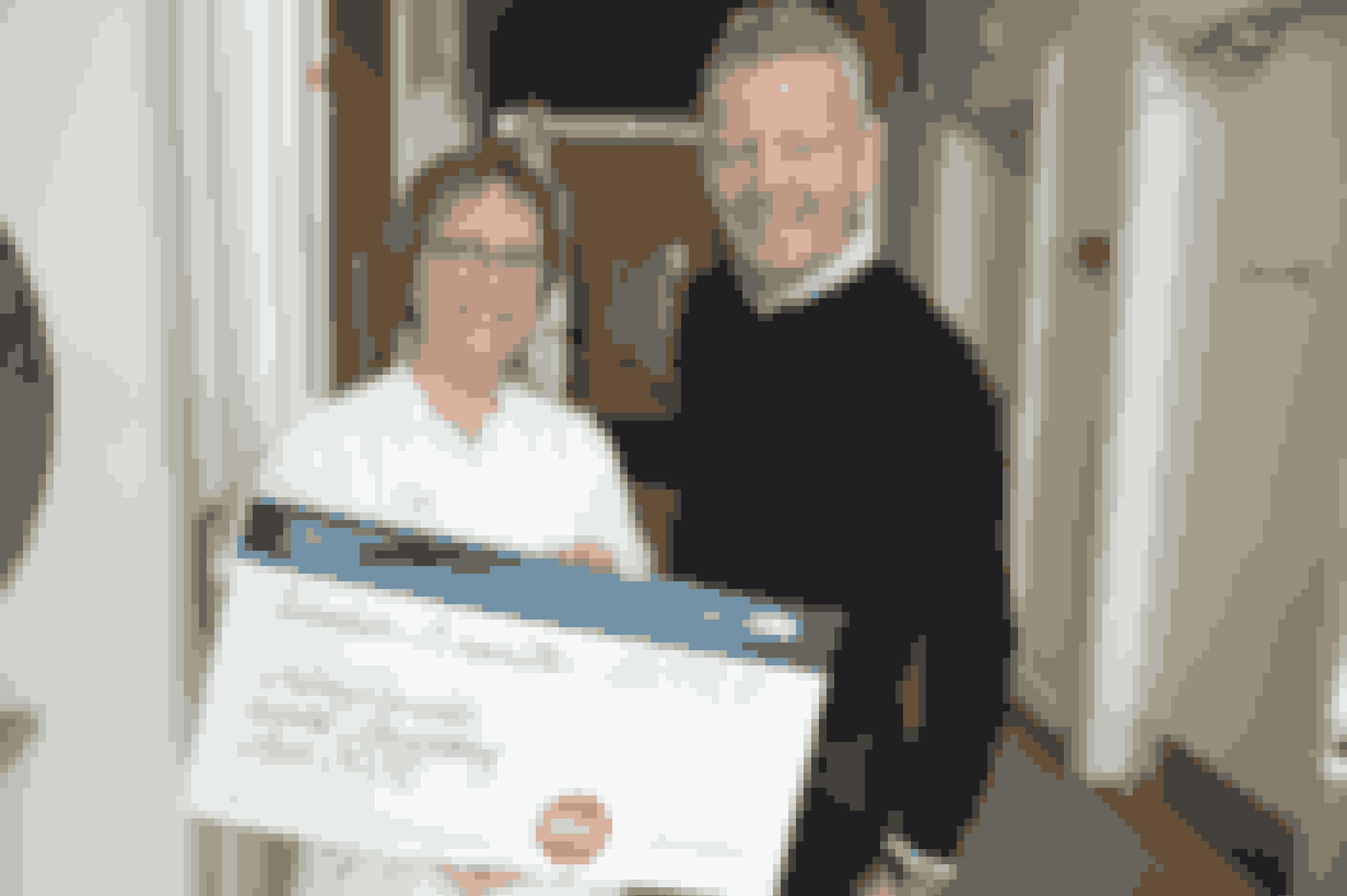 Bubber havde den store check med i år. Sygehjælper Susanne Nielsen har en masse planer for, hvordan pengene bedst giver farve på hverdagen for de indlagte børn.